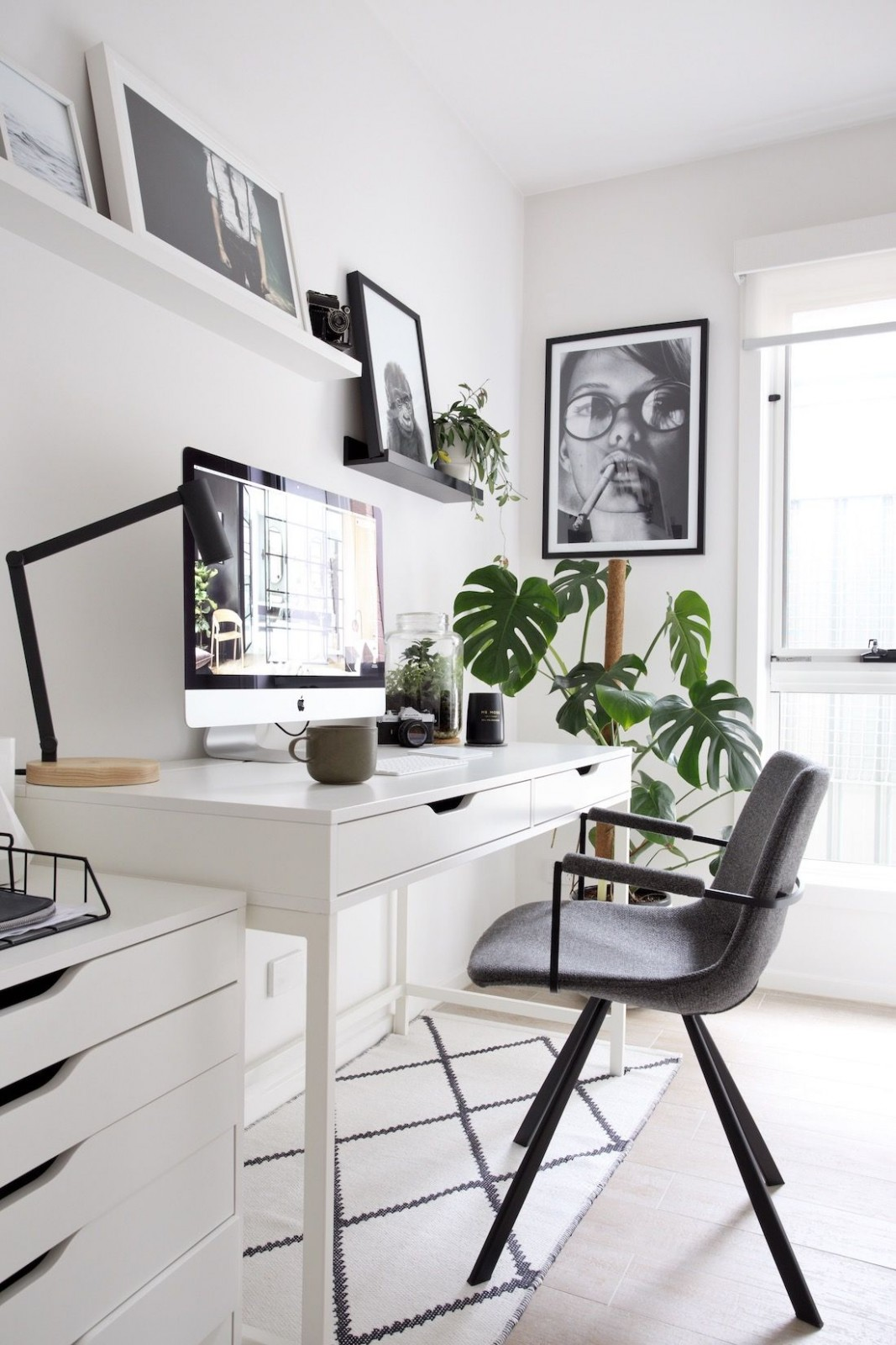 11+ Beautiful Minimalist Office - Decortez  Brown rooms, Home  - Home Office Ideas Minimalist