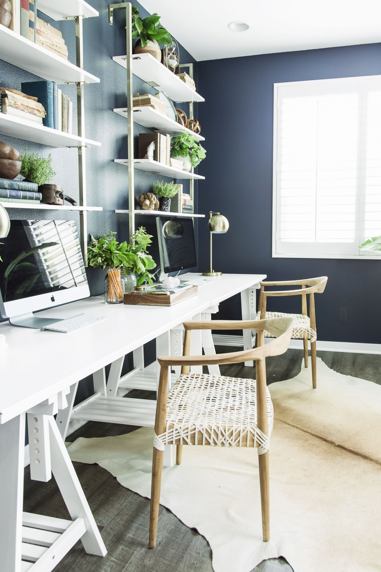 11 Best Home Office Ideas - How to Decorate a Home Office - Home Office Bookshelf Ideas