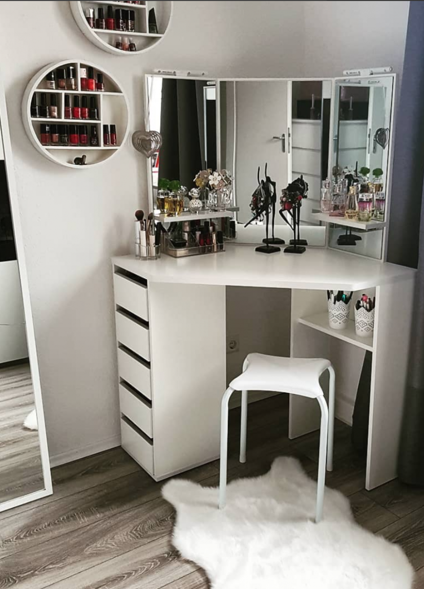 11 Effortless DIY Ideas To Organize Makeup According To Your  - Makeup Room In Bedroom