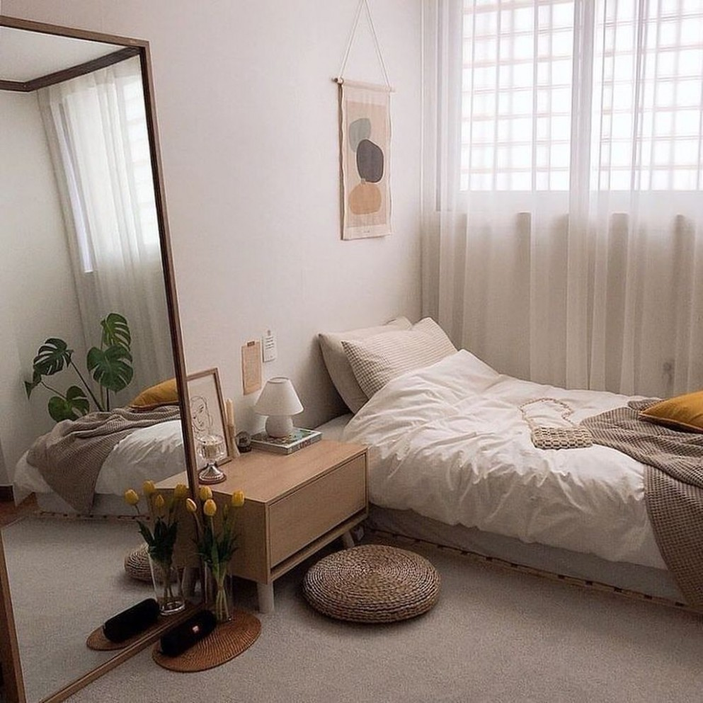 11 Fabulous Small Apartment Bedroom Design Ideas - HOMYHOMEE - Bedroom Ideas Apartment