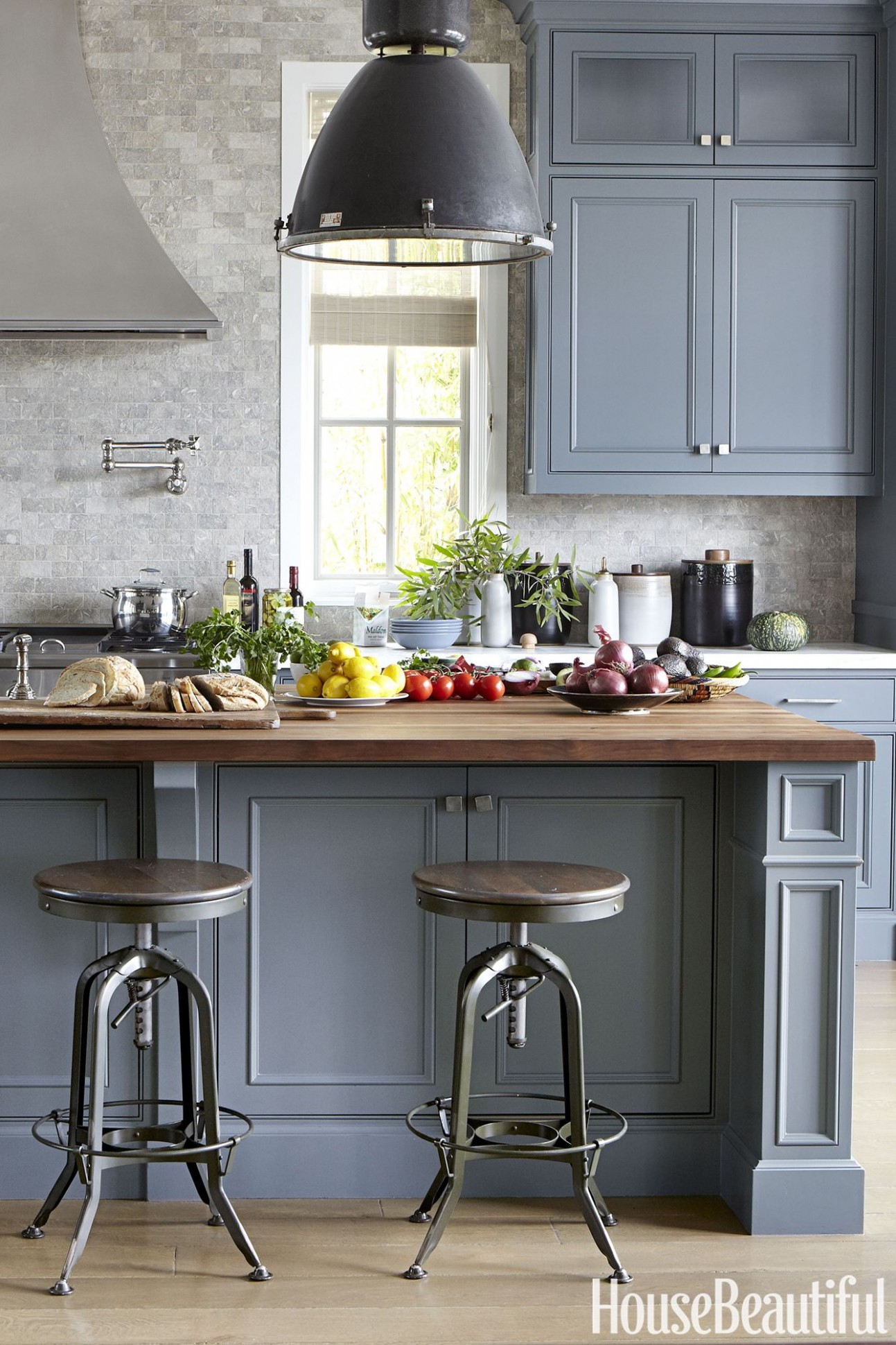 11 Grey Kitchen Ideas - Best Gray Kitchen Designs and Inspiration - Beautiful Kitchens With Grey Cabinets