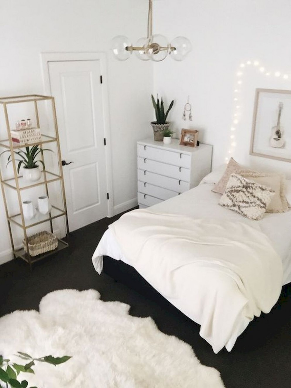 11 Perfect Small Bedroom Decorations - SWEETYHOMEE  Apartment  - Apartment Room Ideas Pinterest