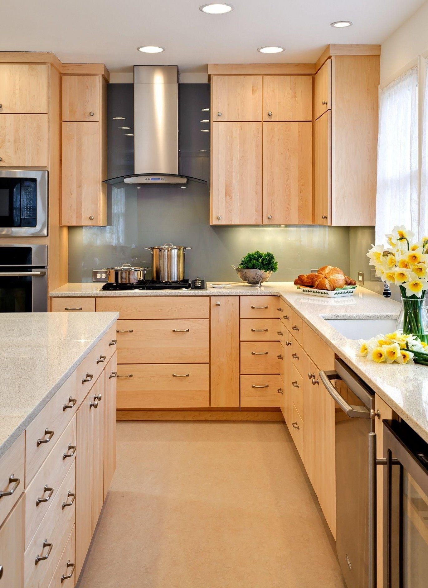 11 Recommended Light Hardwood Floors with Dark Cabinets  Unique  - Kitchen Backsplash With Light Wood Cabinets