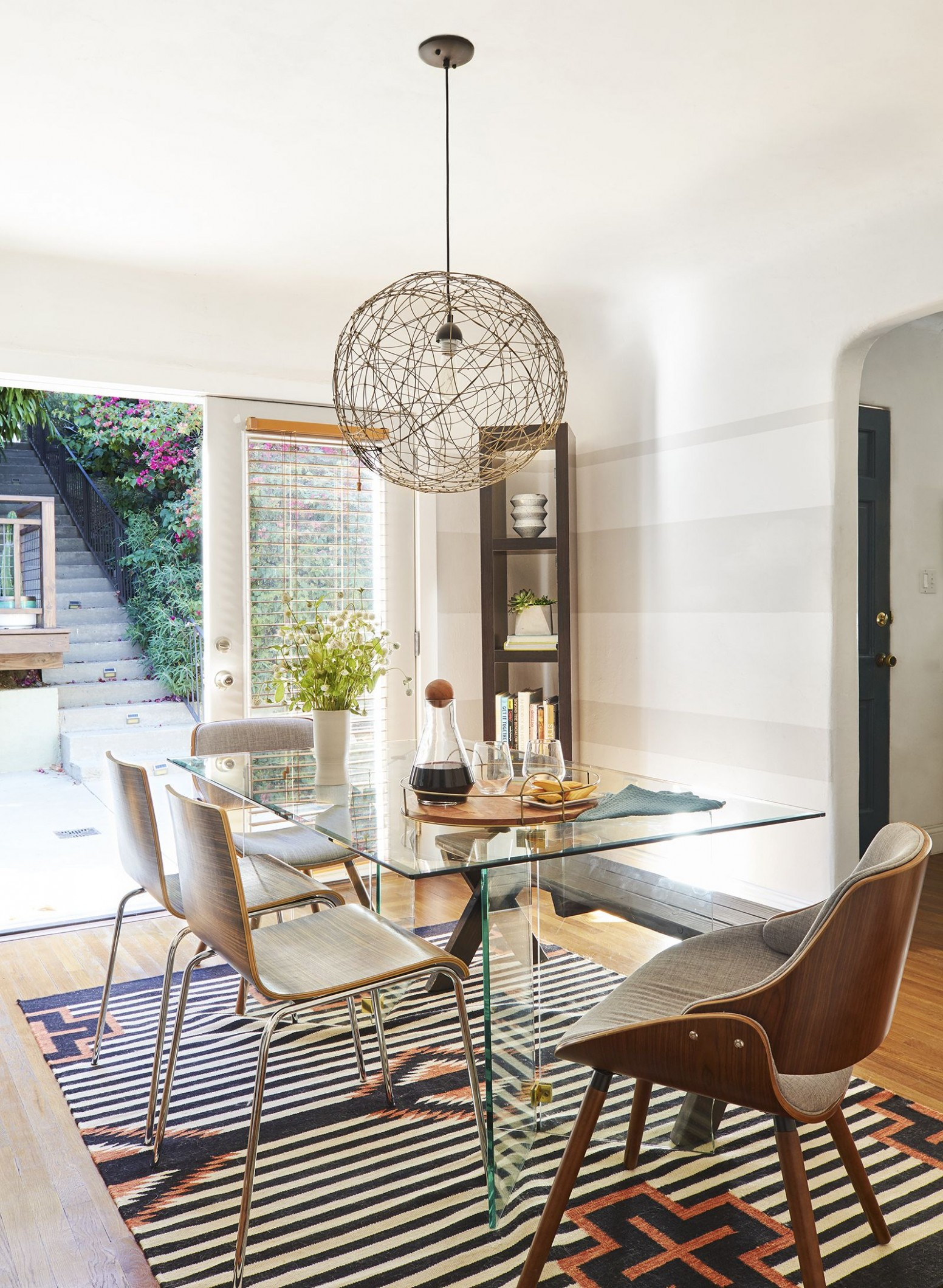 11 Small Dining Rooms That Make The Most Out of Limited Space - Dining Room Table Ideas For Small Spaces