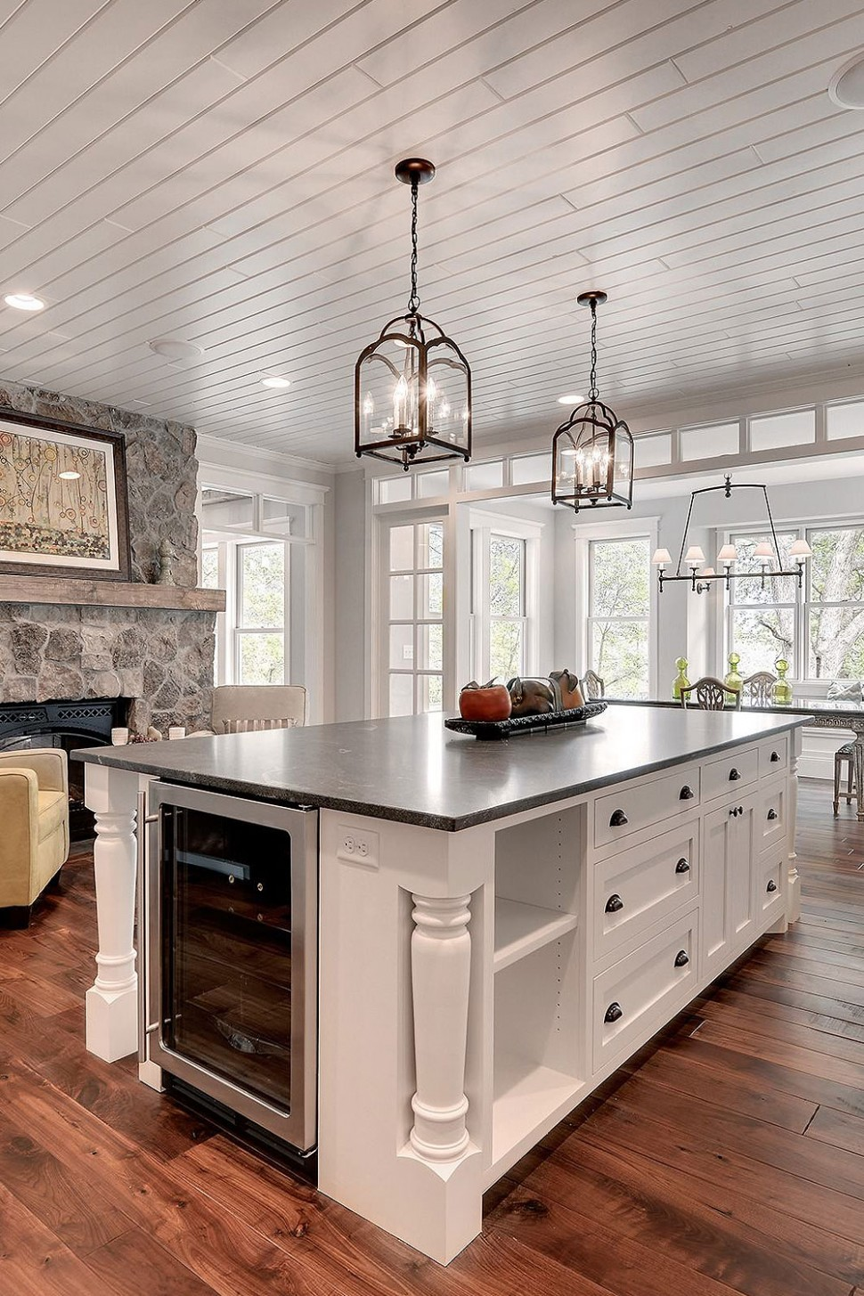 12+ Black Countertop Backsplash Ideas (Tile Designs, Tips & Advice!) - Kitchens With White Cabinets And Dark Granite Countertops