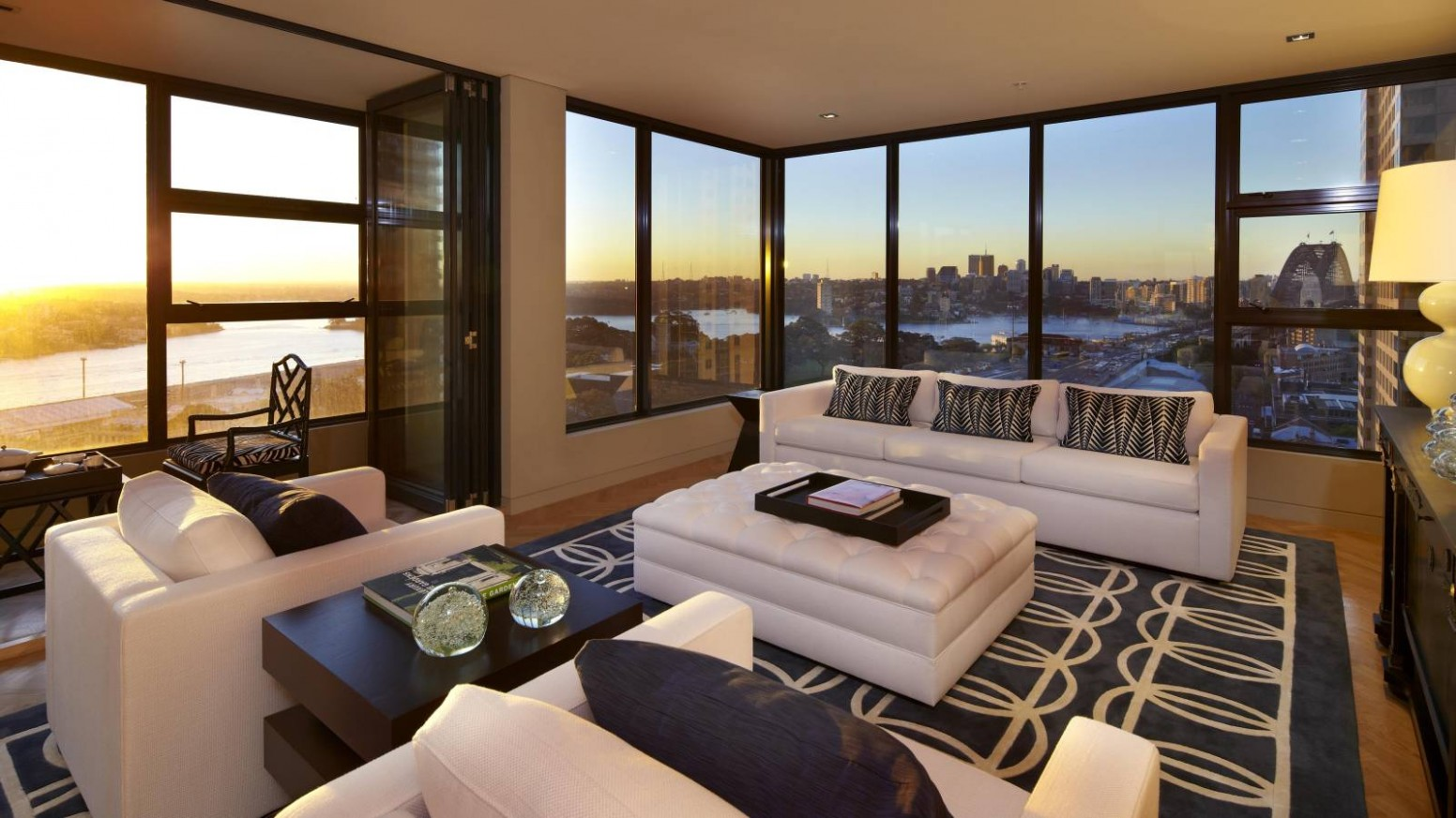12 Inspirational House Window Photos - Interior Design Inspirations - Apartment Design Large Windows
