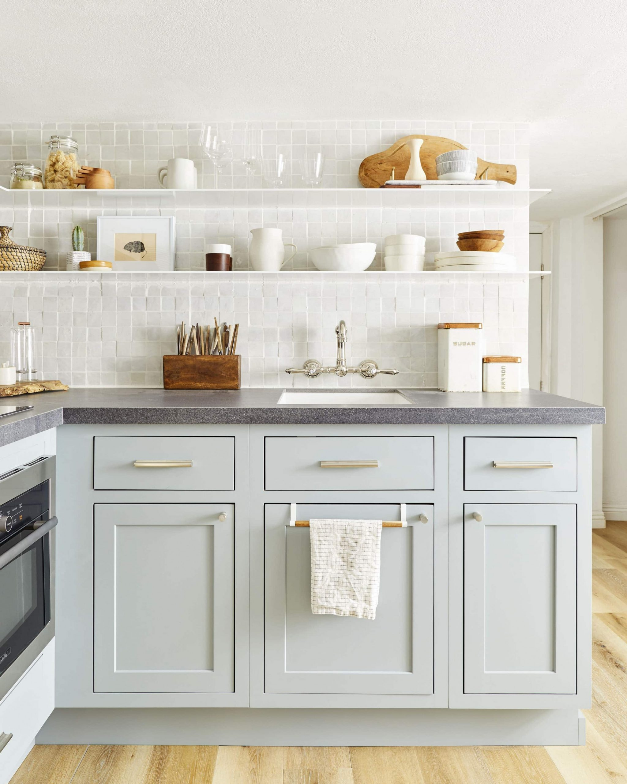 12 of Our Favorite (Budget-Friendly) Cabinet Hardware Picks - Long Cabinet Pulls Kitchen