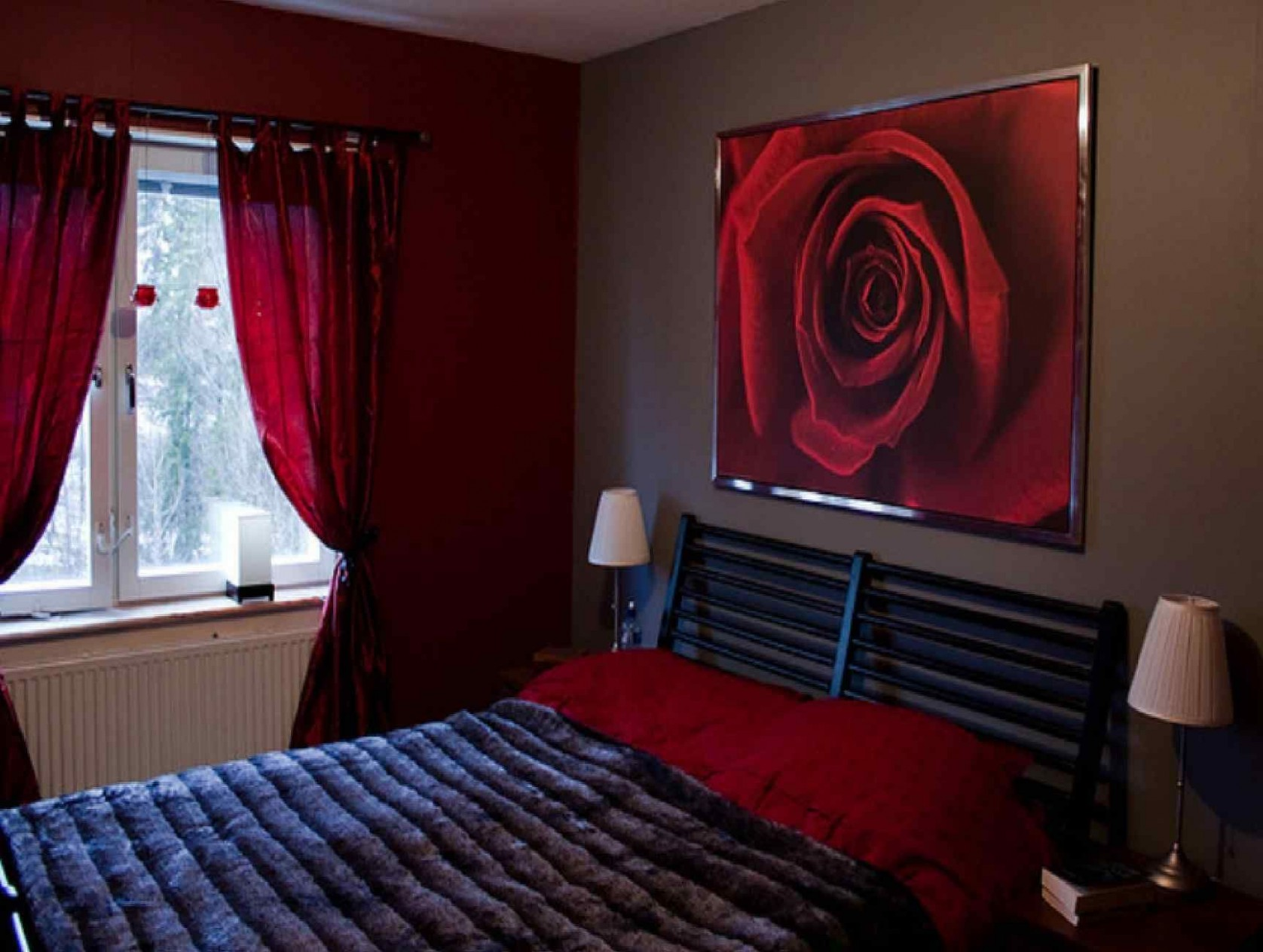 12 Red Bedroom Ideas That Look Pretty Classy in 1212  Red bedroom  - Bedroom Ideas Red And Black