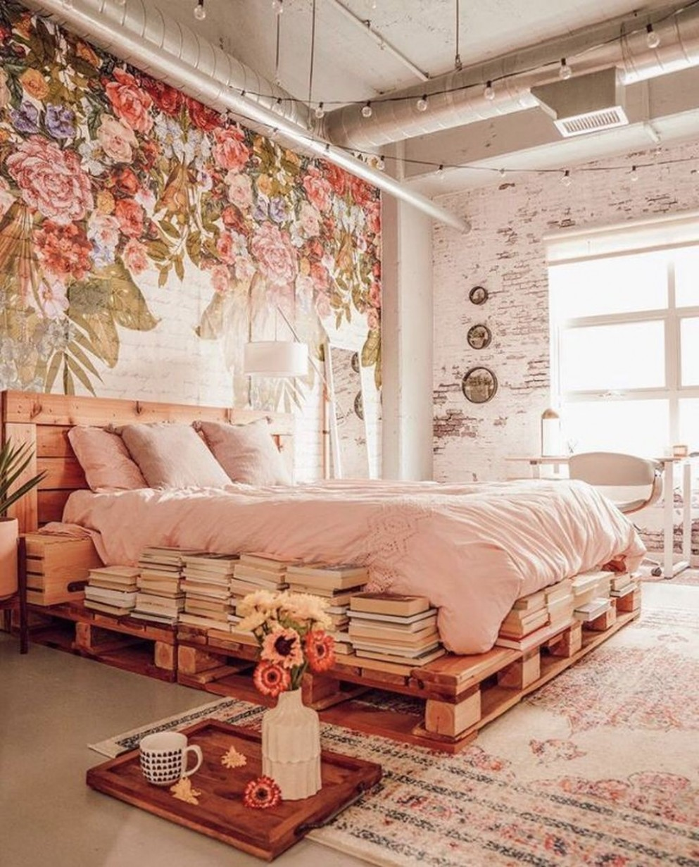 12 Romantic Bedroom Decor Ideas With Floral Theme - Trendehouse - Bedroom Ideas Themes