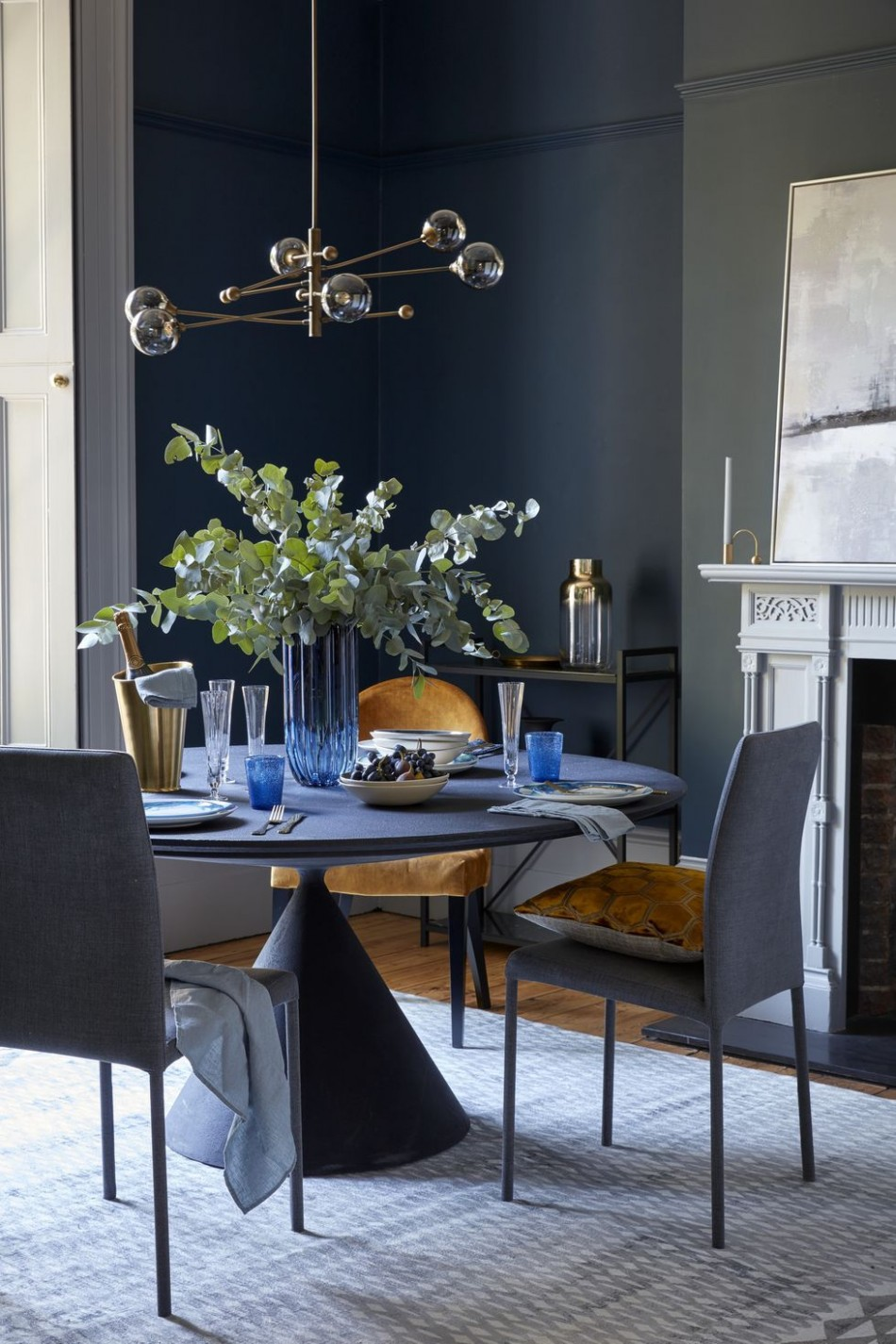 12 Small Dining Room Ideas - How to Decorate Your Small Dining Room - Small Dining Room Ideas Uk