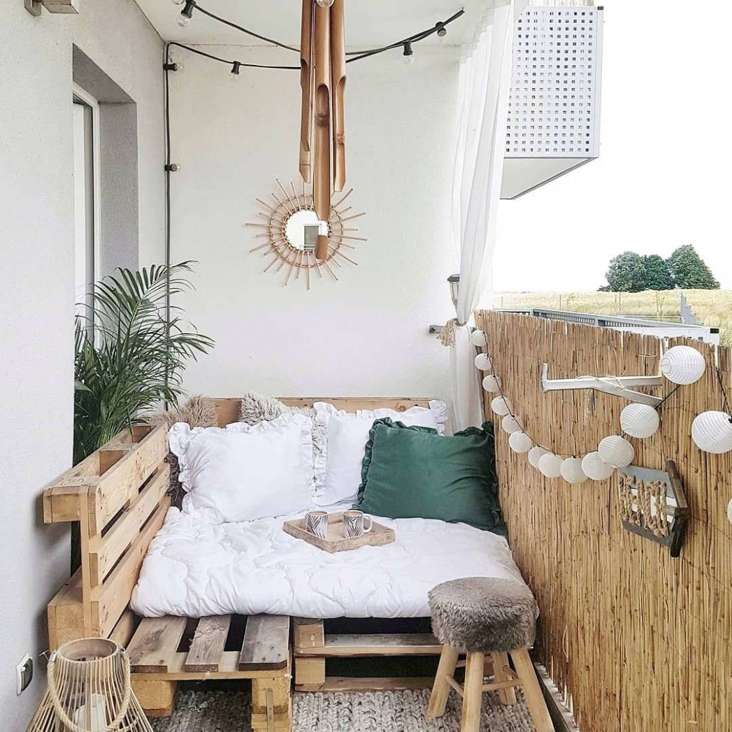 12 Ways to Make the Most of Your Tiny Apartment Balcony - Apartment Balcony Ideas On A Budget