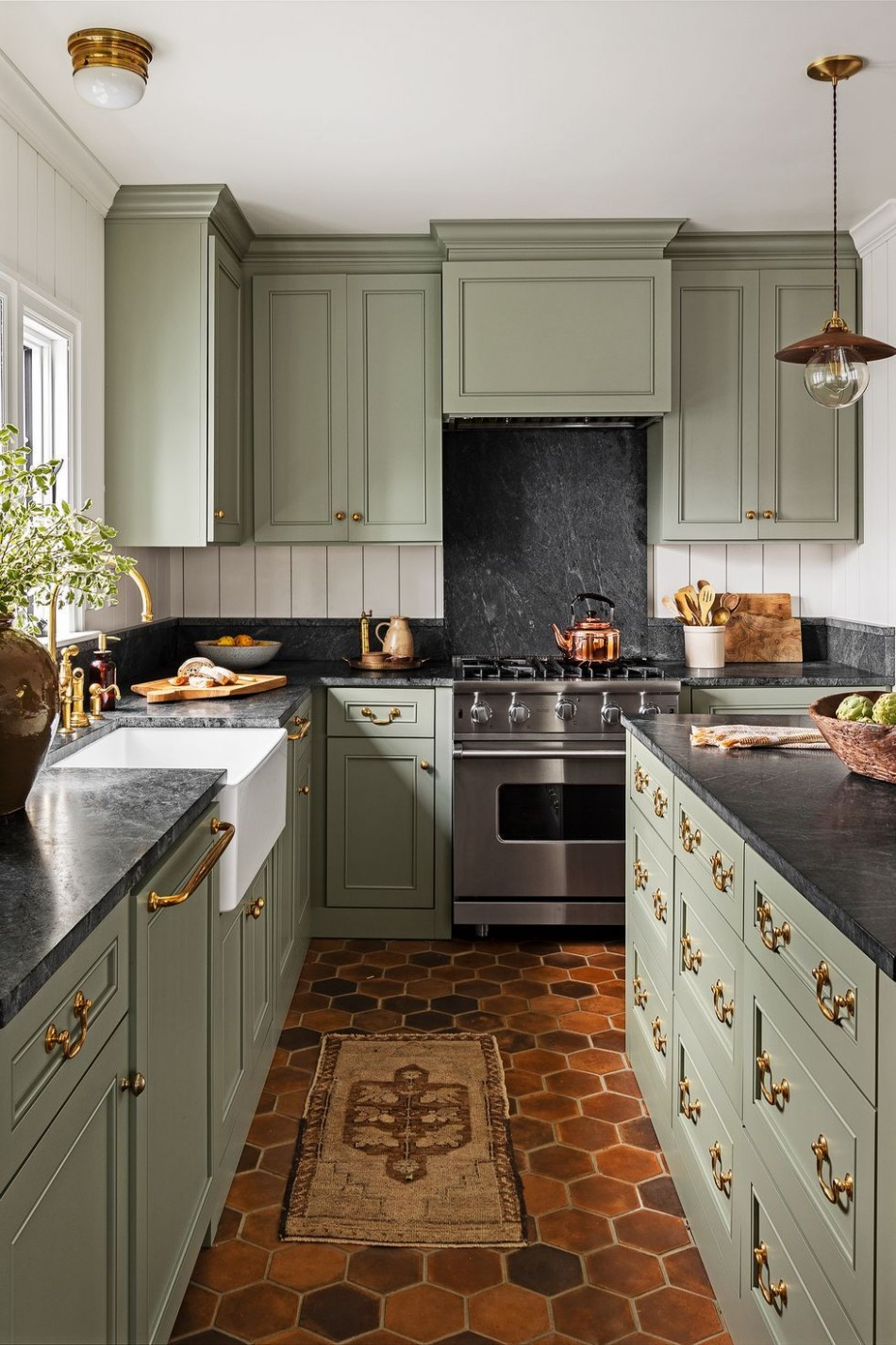8 Best Green Kitchen Cabinet Ideas - Top Green Paint Colors for  - Green Kitchen With Dark Cabinet