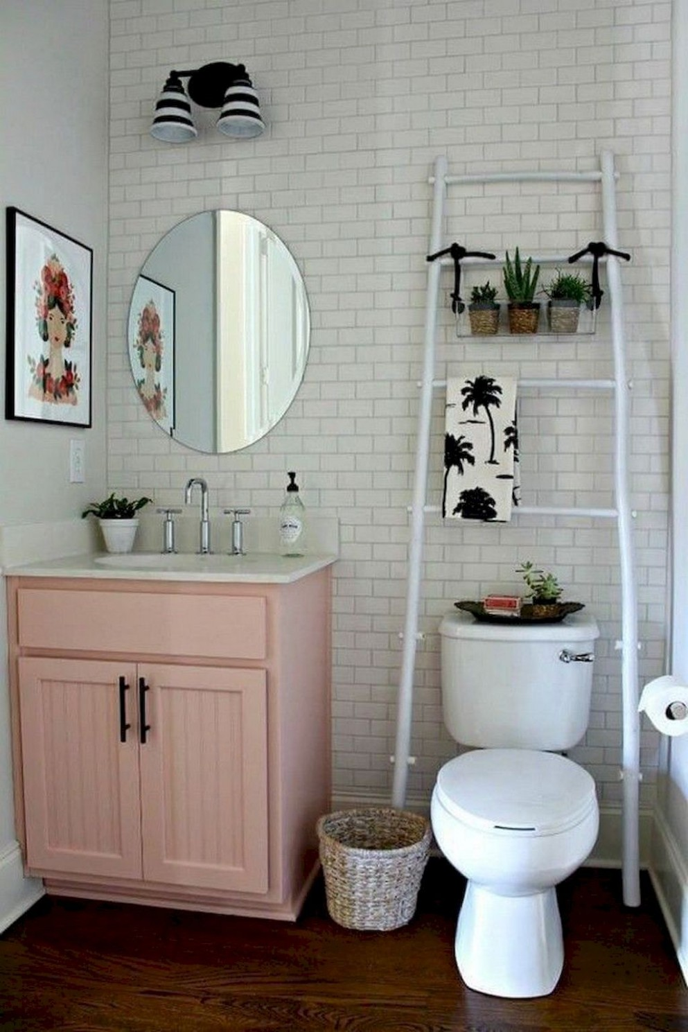 8 First Apartment Decorating Ideas on A Budget en 8  - Apartment Bathroom Decorating Ideas On A Budget