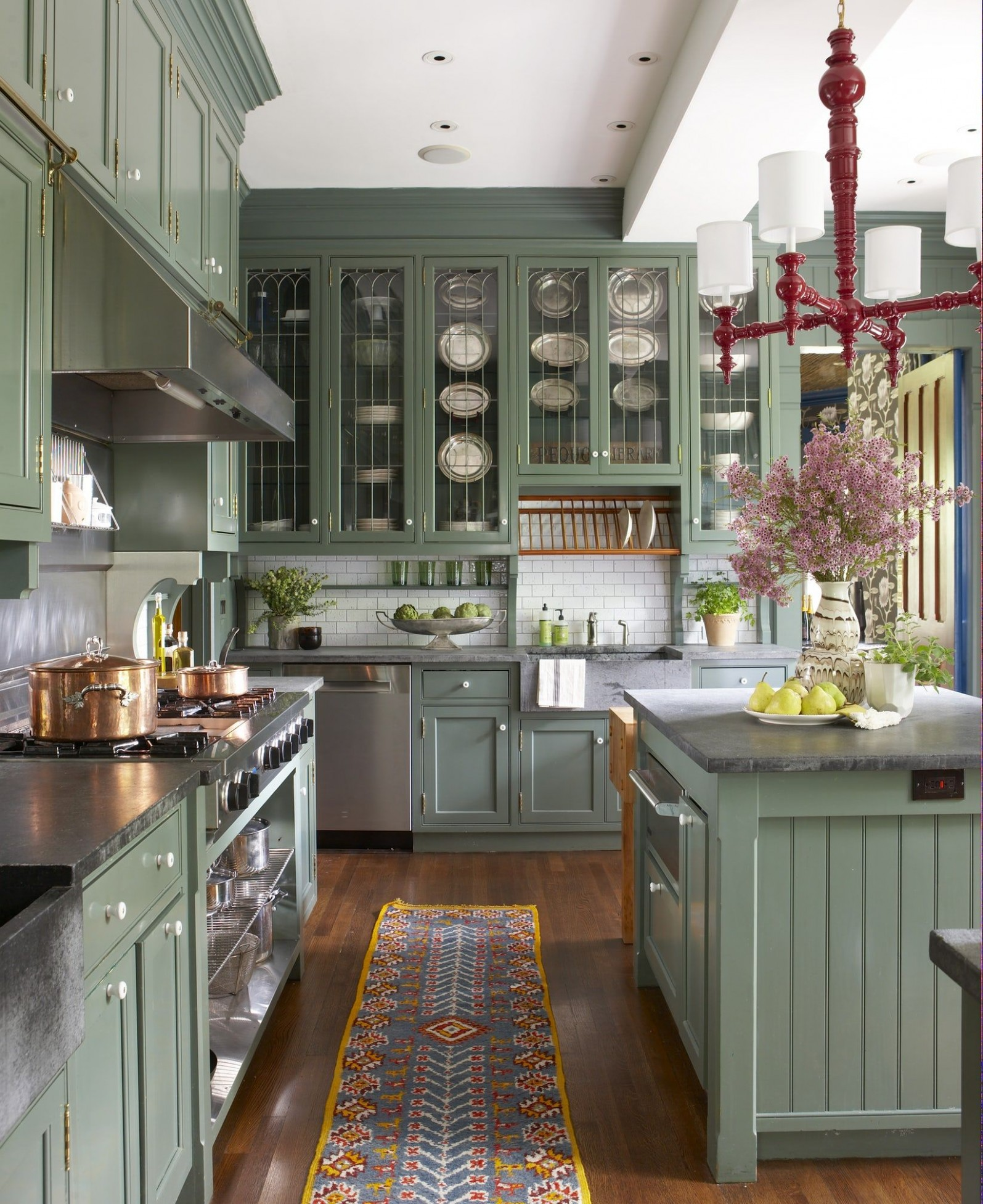 8 Green Kitchen Design Ideas - Paint Colors for Green Kitchens - Green Kitchen With Dark Cabinet