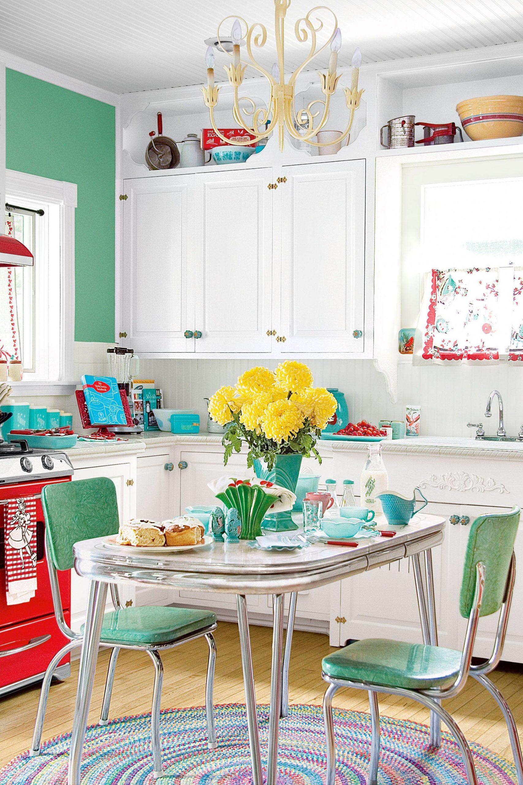 9 Retro Diner Decor Ideas for Your Kitchen - Vintage Kitchen Decor - Dining Room Ideas Retro