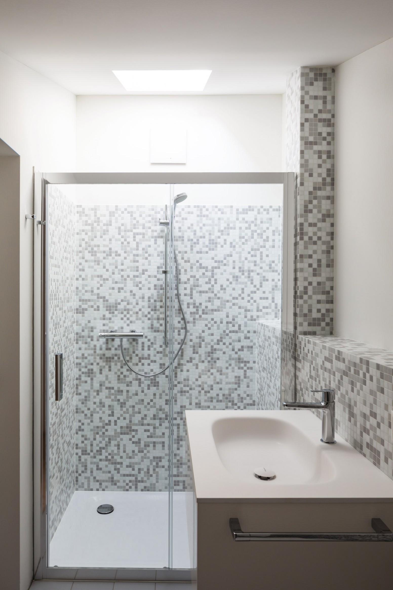 9 Small Bathroom Ideas to Make Your Bathroom Feel Bigger  - Small Apartment Decorating Ideas Bathroom