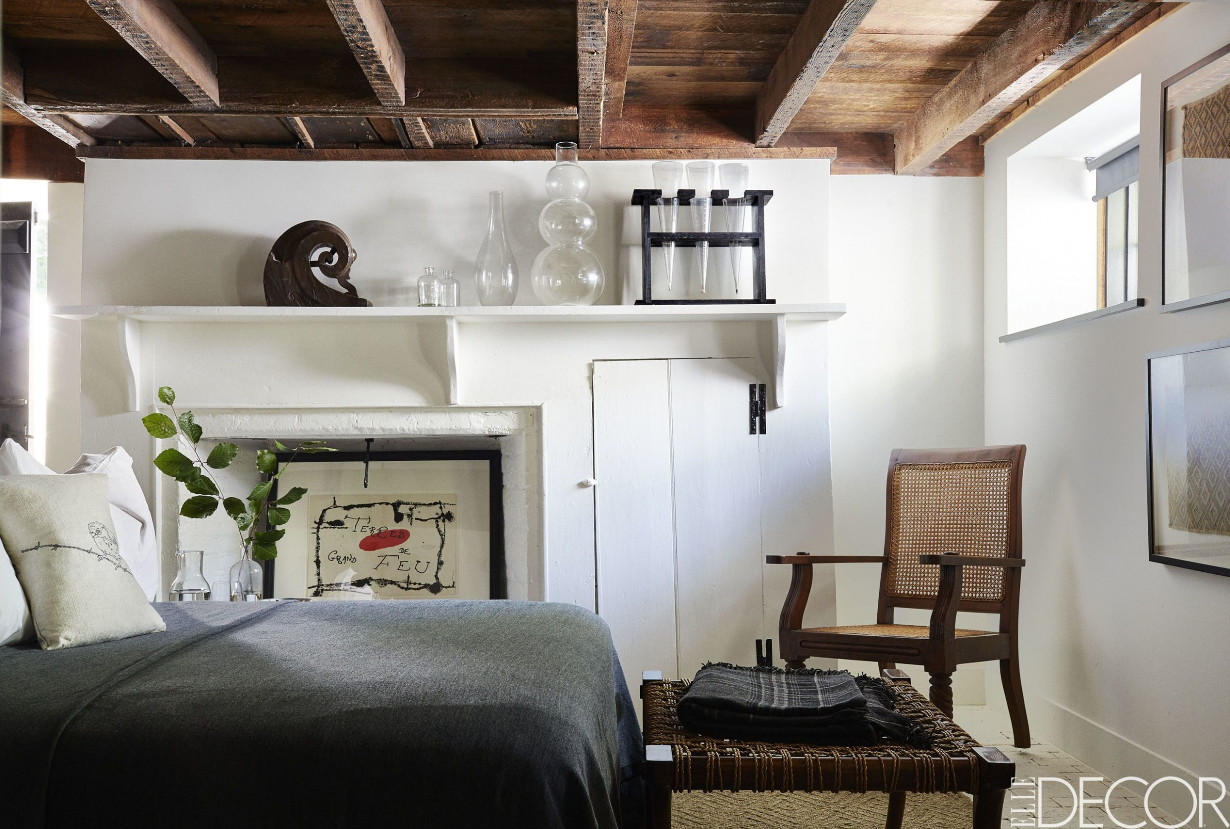 9 Small Bedroom Design Ideas - Decorating Tips for Small Bedrooms - 10X10 Bedroom Ideas