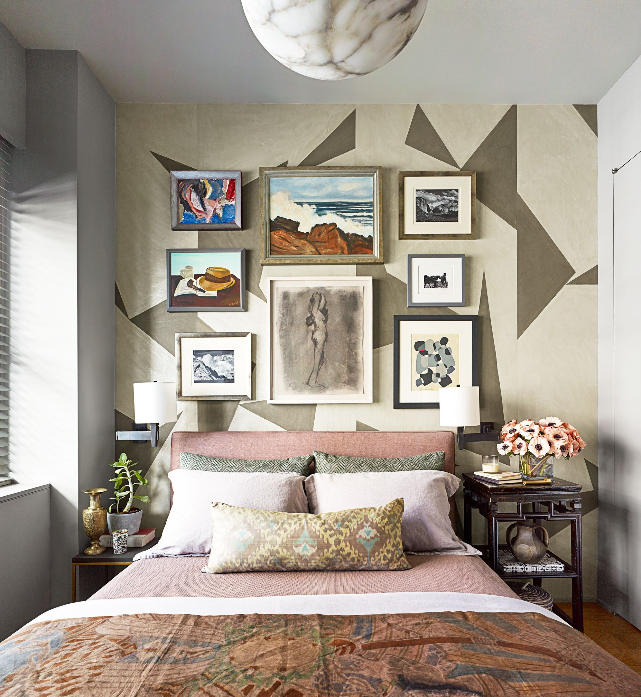 9 Small Bedroom Design Ideas - How to Decorate a Small Bedroom - 10X10 Bedroom Ideas
