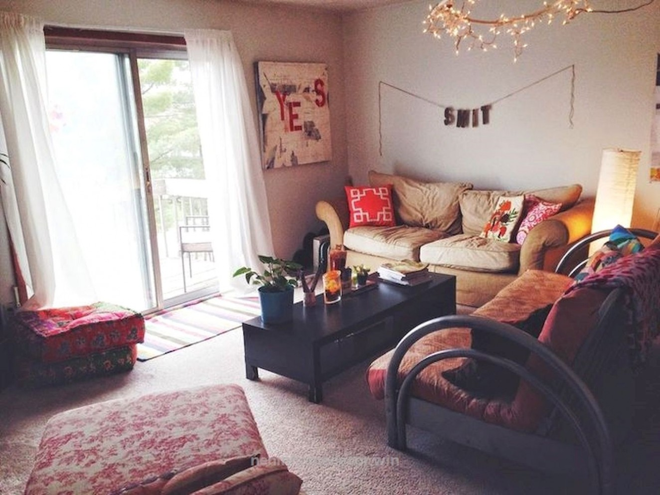 Adorable 12 Clever College Apartment Decorating Ideas on A Budget  - Apartment Decorating Ideas For Students