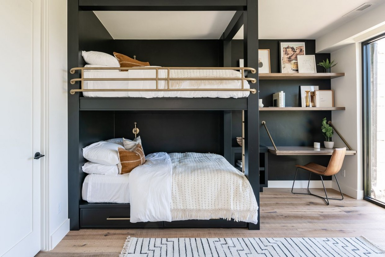 Adult Bunk Beds: A Snuggly Space-Saving Option - WSJ - Bedroom Ideas Double Deck