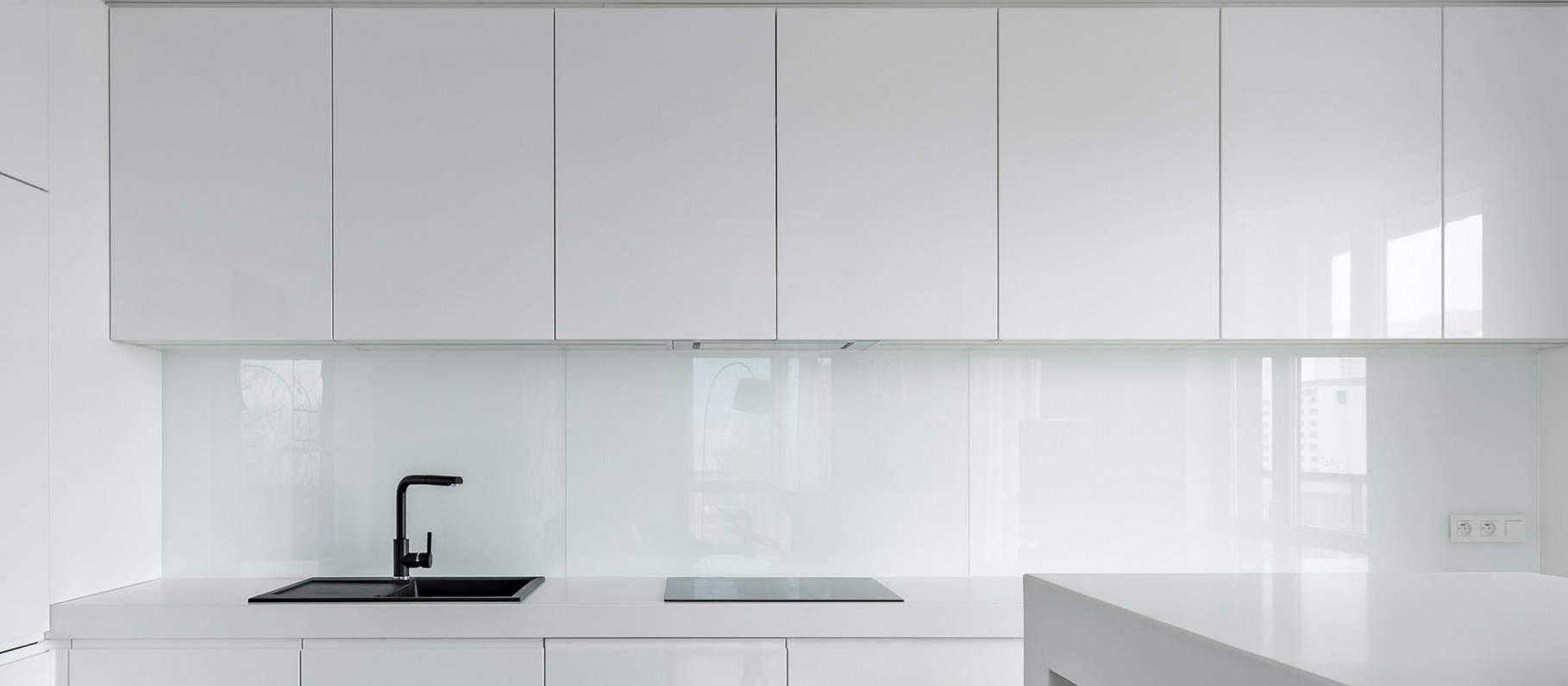 Advantages of high gloss kitchen cabinets - High Gloss Cabinet Kitchen