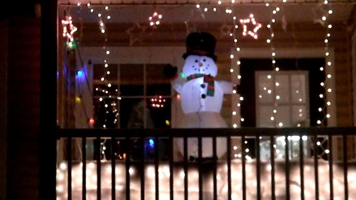 Apartment Balcony Christmas Decorating Ideas in 11  Christmas  - Apartment Balcony Decorating Ideas Christmas