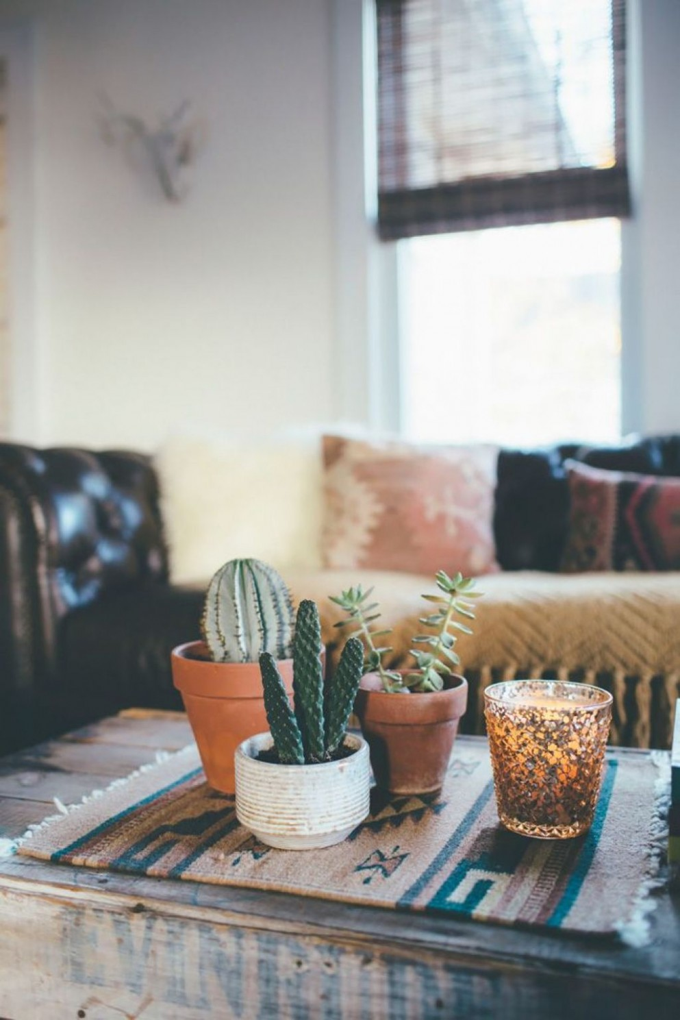 Bohemian Decorating Ideas For An Apartment  Living room decor  - Small Apartment Decorating Ideas Boho