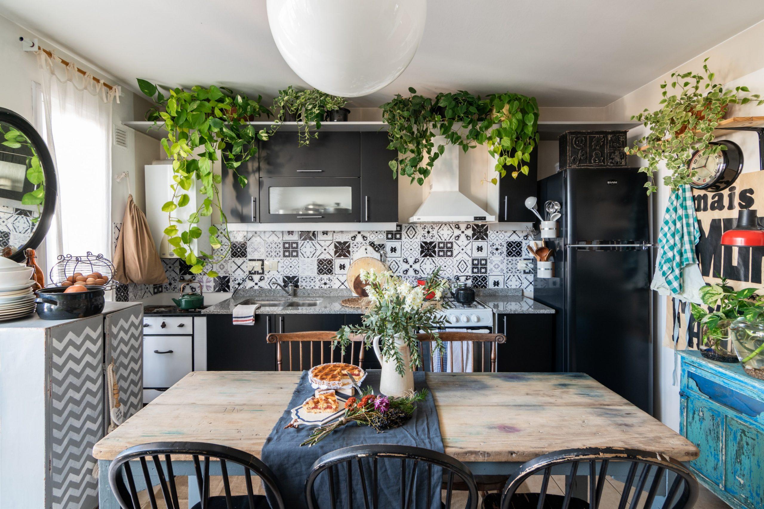 Bohemian Small Space Design Trend - Boho Decorating  Apartment  - Small Apartment Decorating Ideas Boho