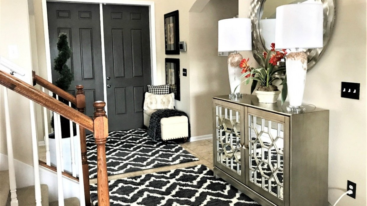 Budget Friendly Foyer/Entryway Ideas - Dining Room Entryway Ideas