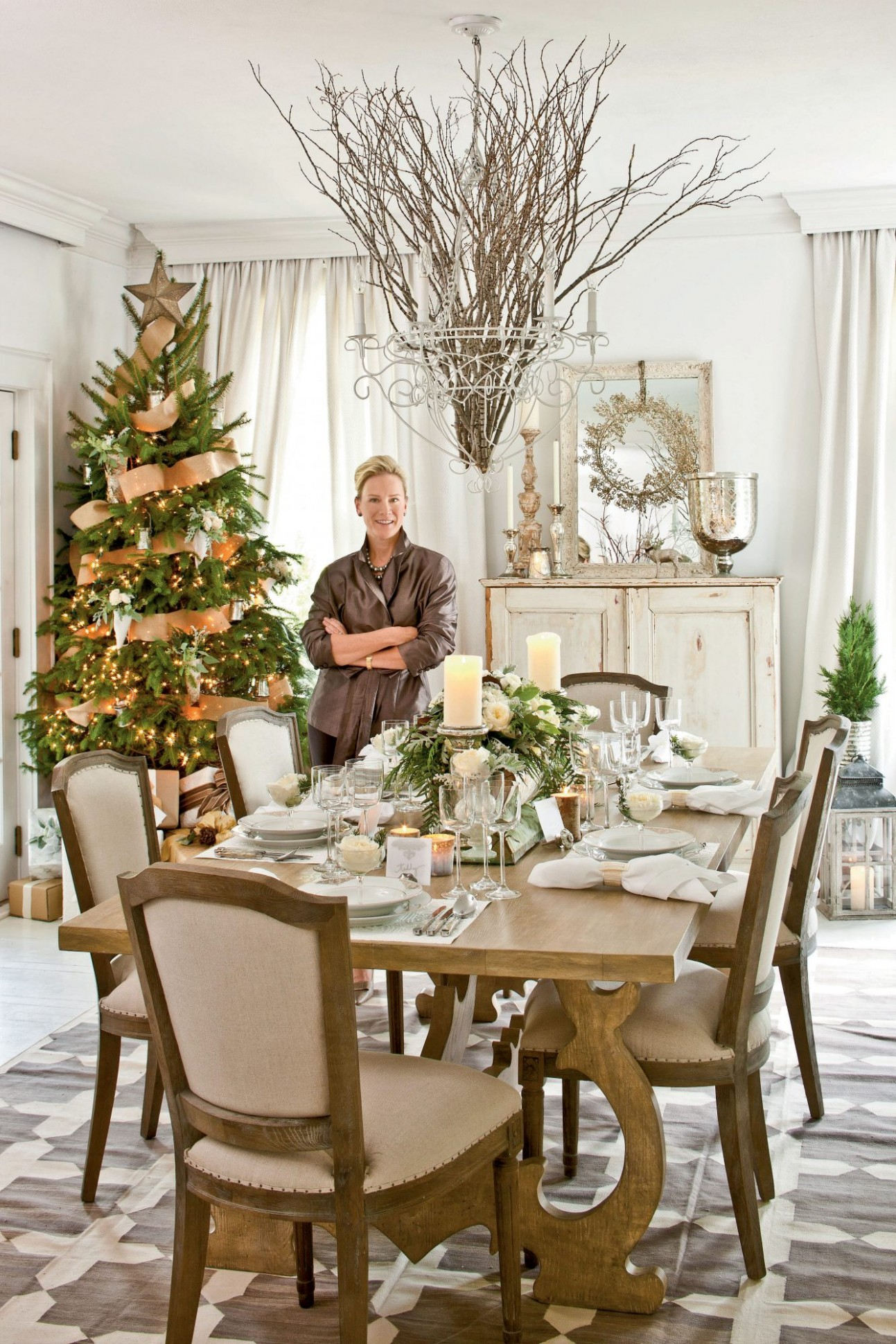 Christmas in the Dining Room  Southern Living - Dining Room Ideas For Christmas