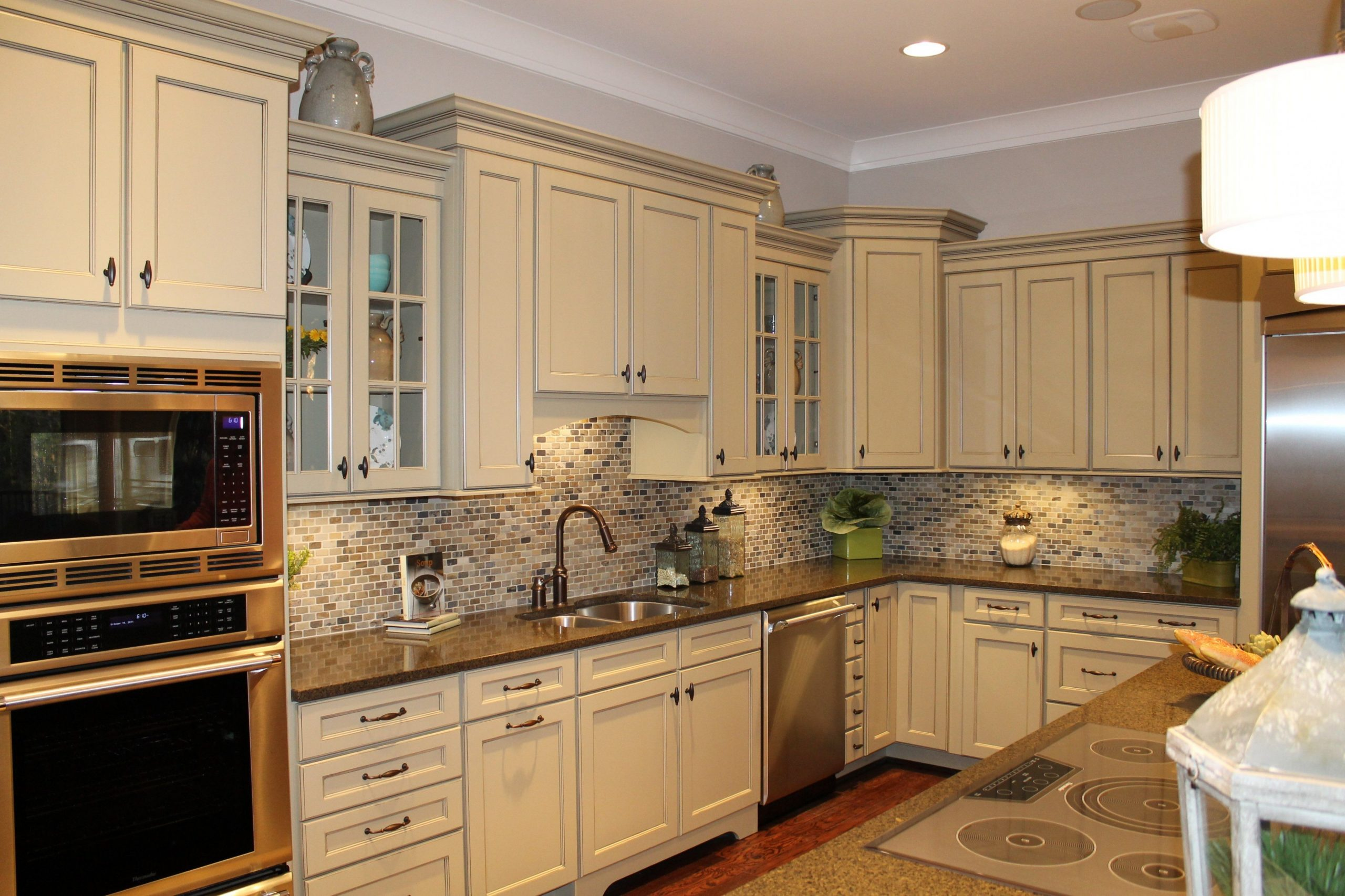 cool white kitchen cabinets ideas for countertops and backsplash  - Antique White Kitchen Cabinets With Granite Countertops