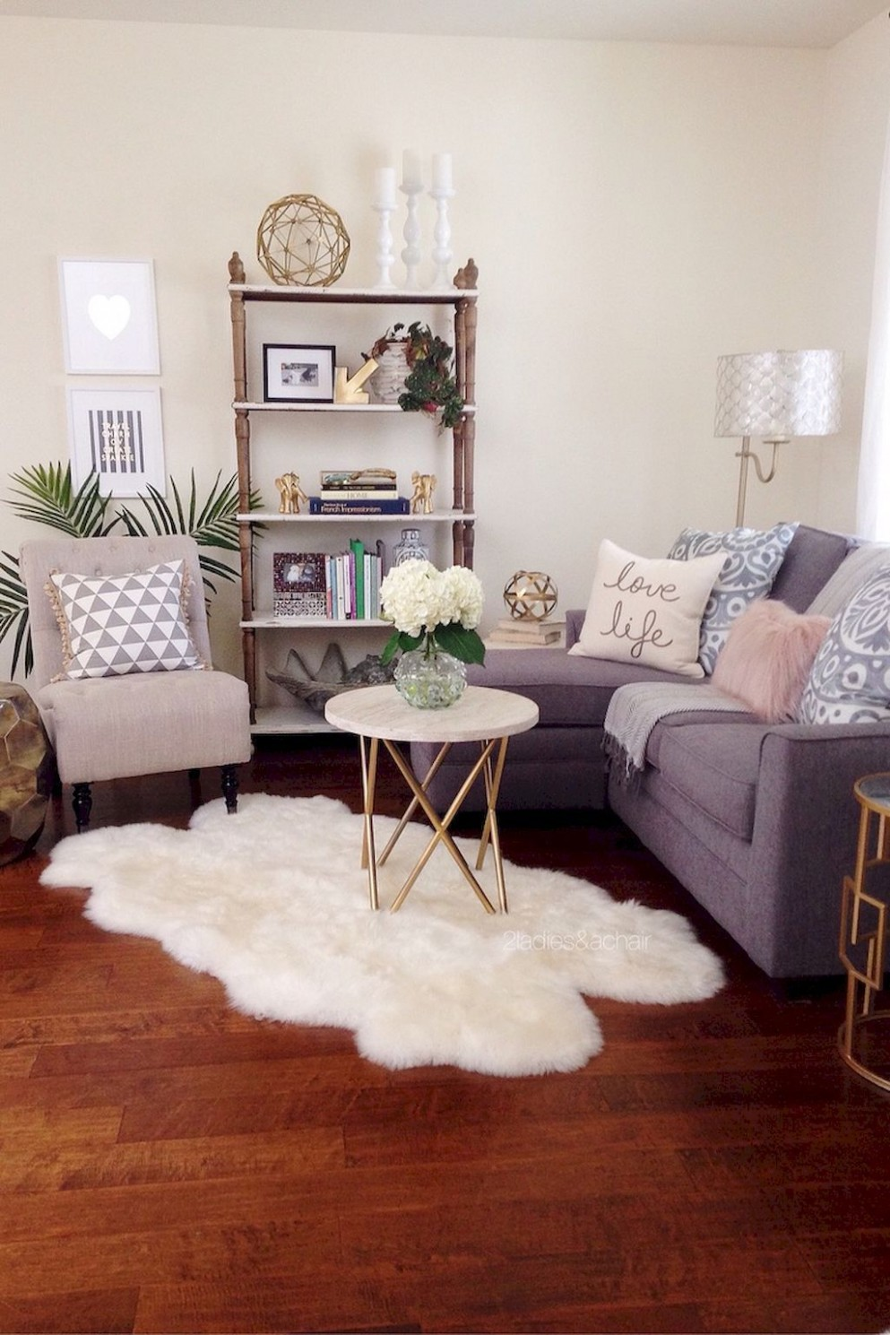 Cozy living room ideas for small apartments (8)  Small living  - Apartment Living Room Ideas On A Budget