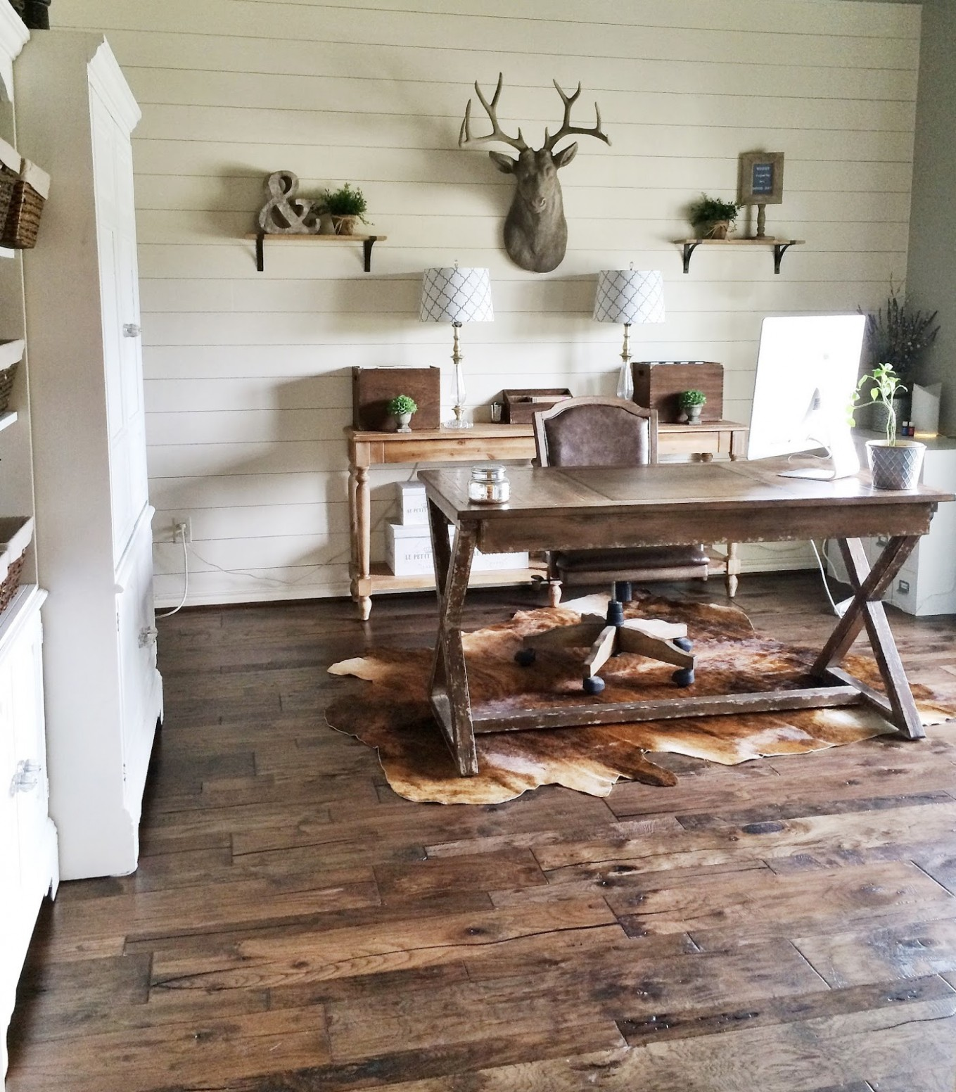 Cozy Workspaces: Home Offices with a Rustic Touch - Home Office Ideas Rustic