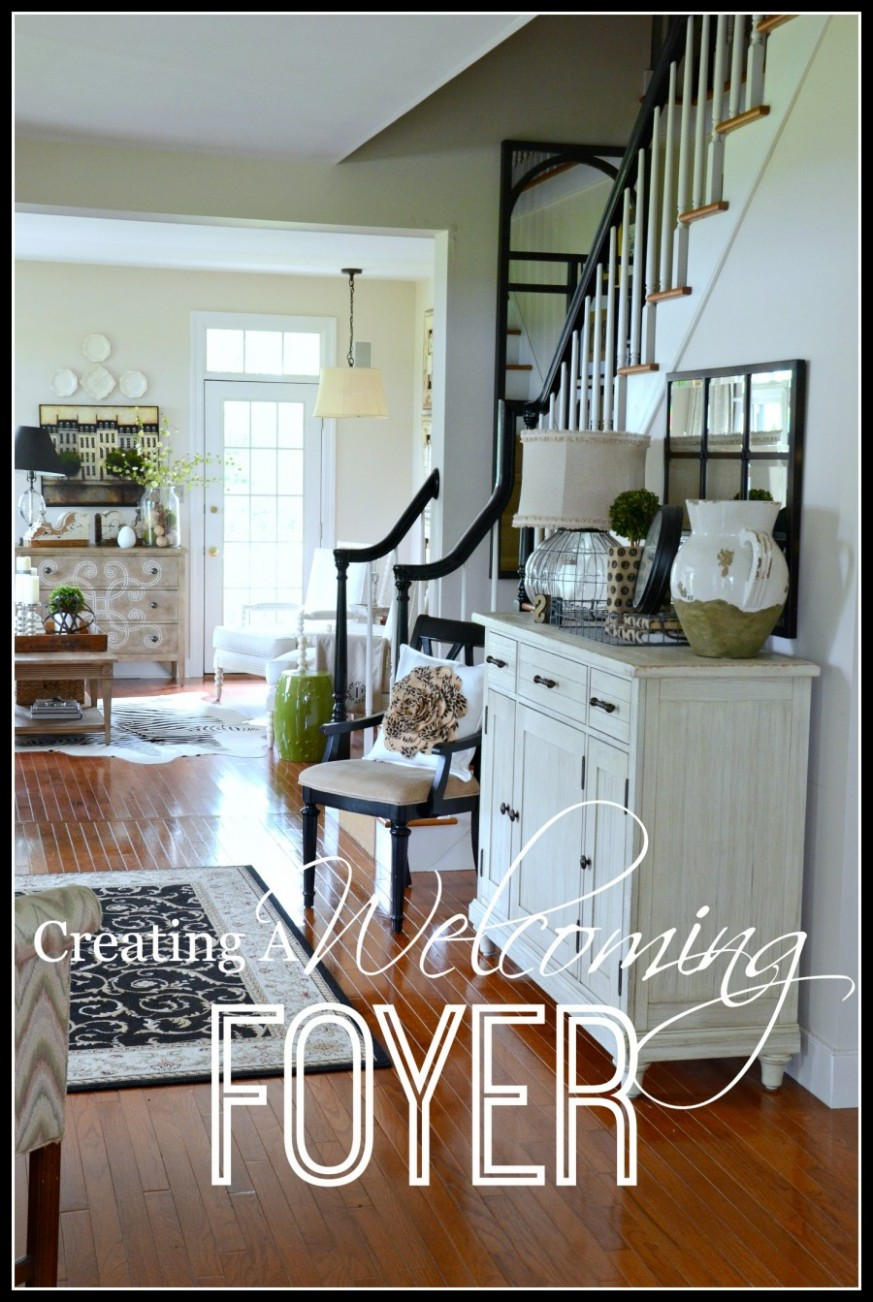 CREATING A WELCOMING FOYER - StoneGable - Dining Room Entryway Ideas