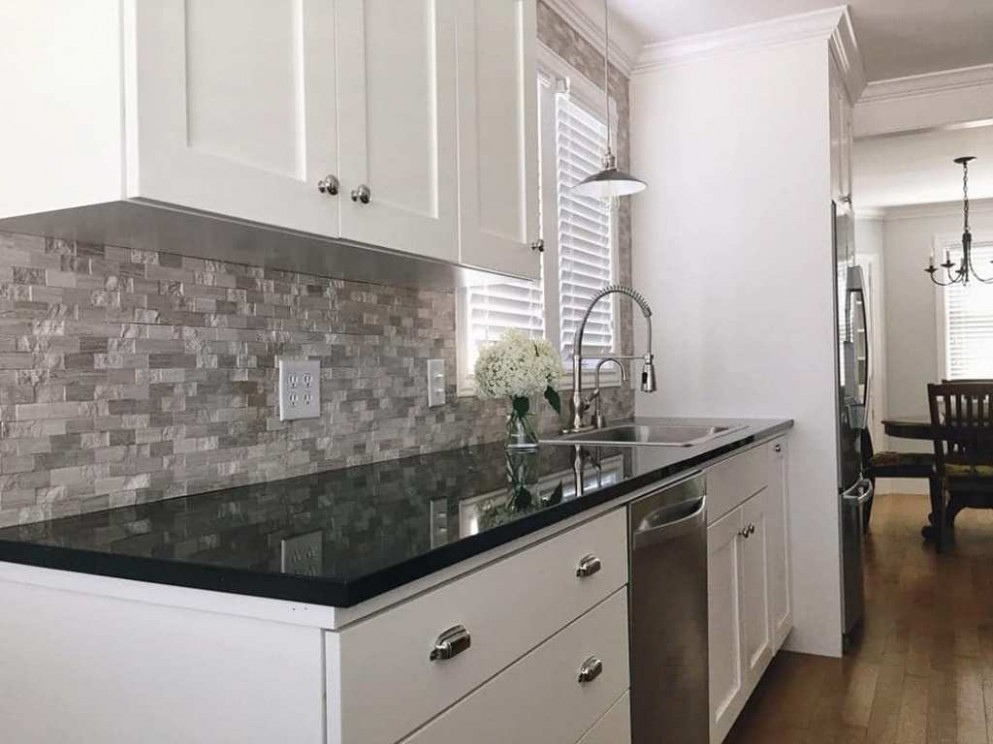 Dark Granite Countertops White Cabinets — Oscarsplace Furniture  - Kitchens With White Cabinets And Dark Granite Countertops