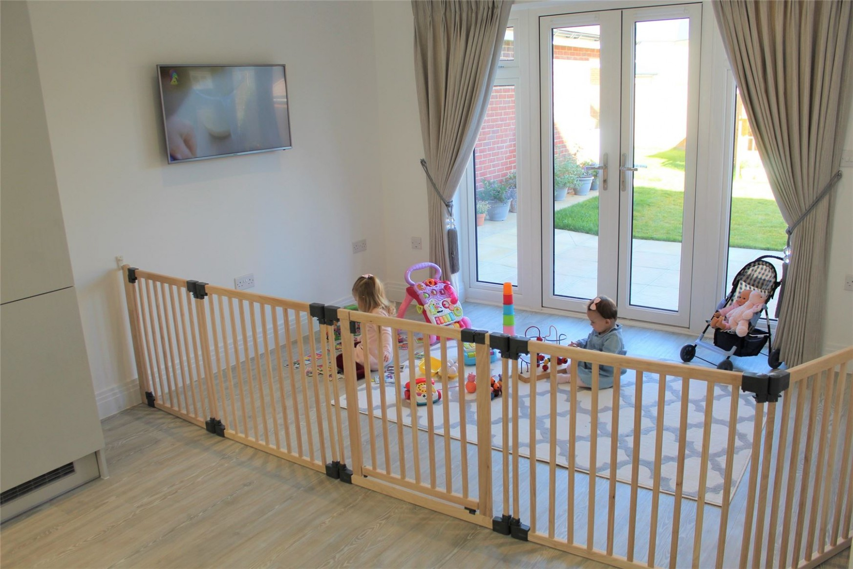 Details about Safetots Premium Wooden Multi Panel Wide Baby Safety Gate  Flexible Room Divider - Baby Room Divider