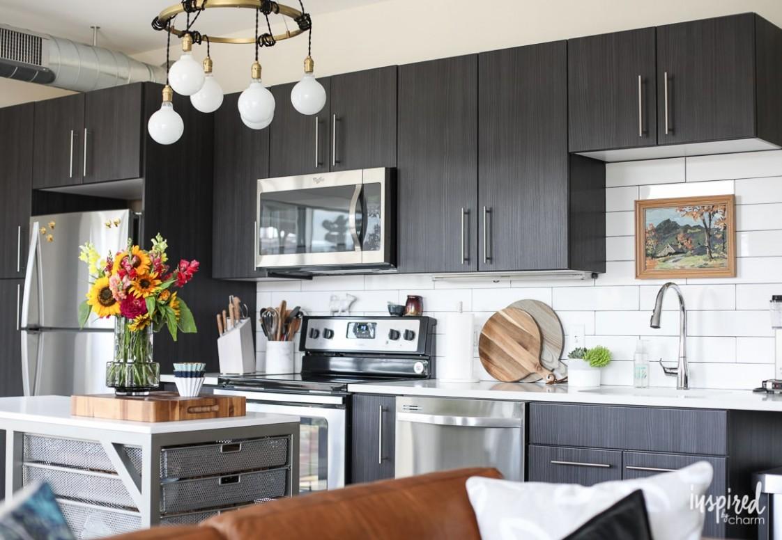 Drab to Fab: Apartment Kitchen Decor - Apartment Kitchen Design Ideas