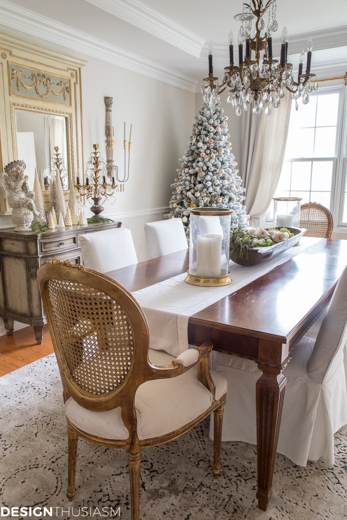 Elegant Holiday Decorating Ideas for the Dining Room - Dining Room Arrangement Ideas
