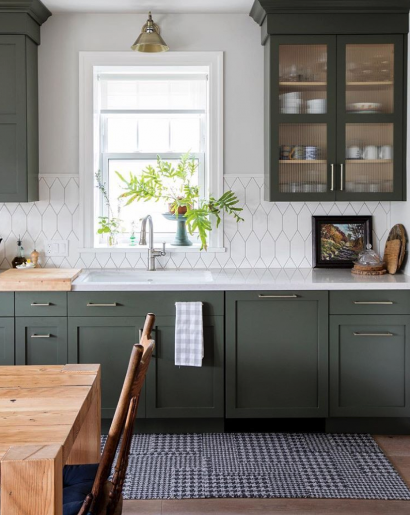 Friday Inspiration: Greenery Galore!  Kitchen decor modern, Green  - Green Kitchen With Dark Cabinet