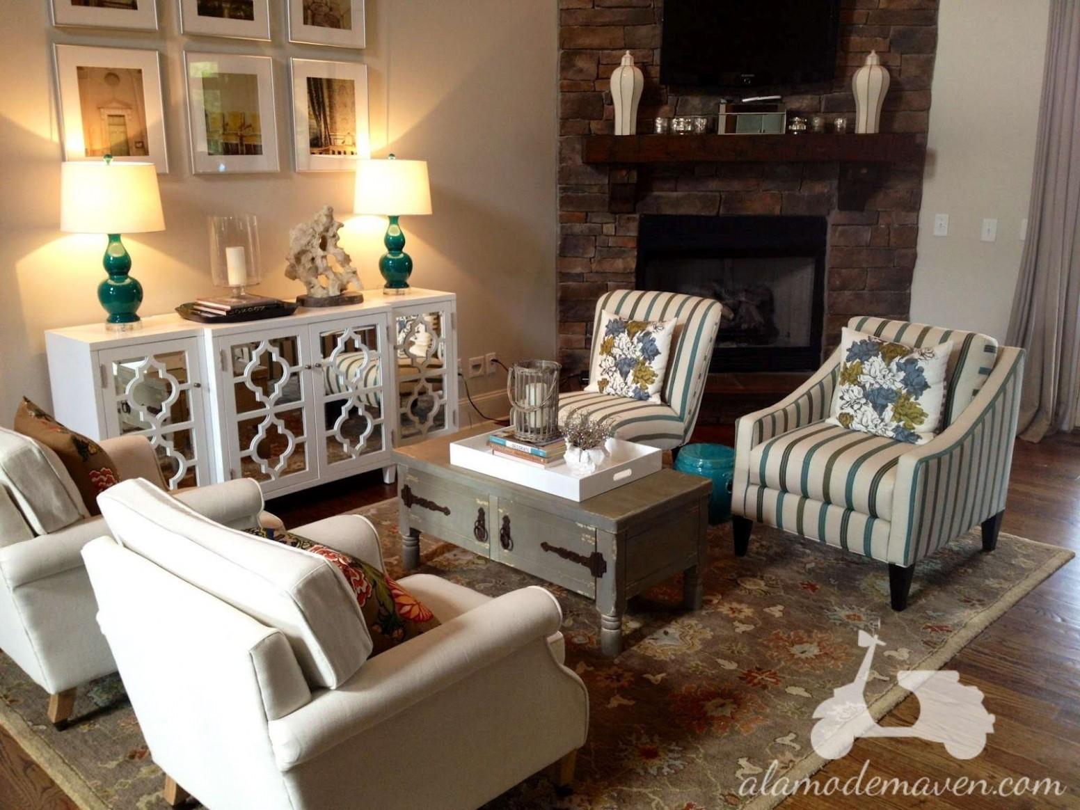 good layout idea for sitting room (alamode)