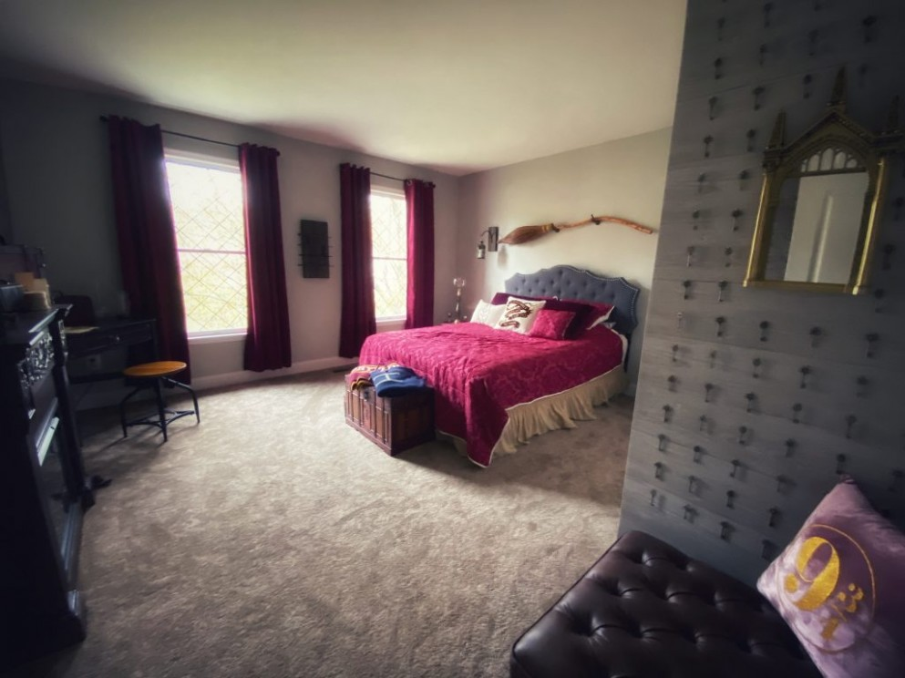 "Harry Potter"" DIY Bedrooms: The Magic Never Ends  MuggleNet - Bedroom Ideas Harry Potter"
