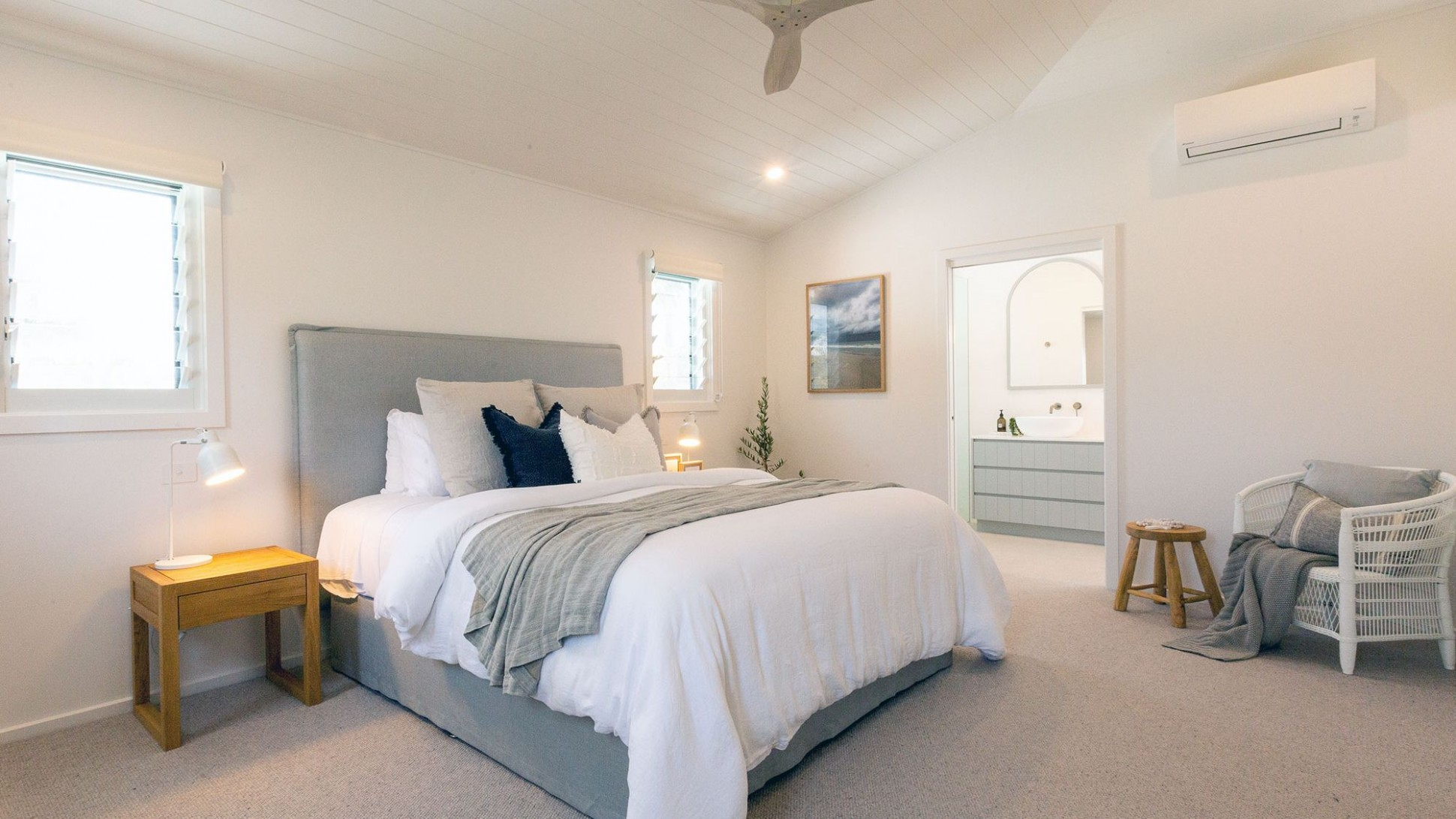 How to Achieve a Hamptons Style Bedroom - realestate.com