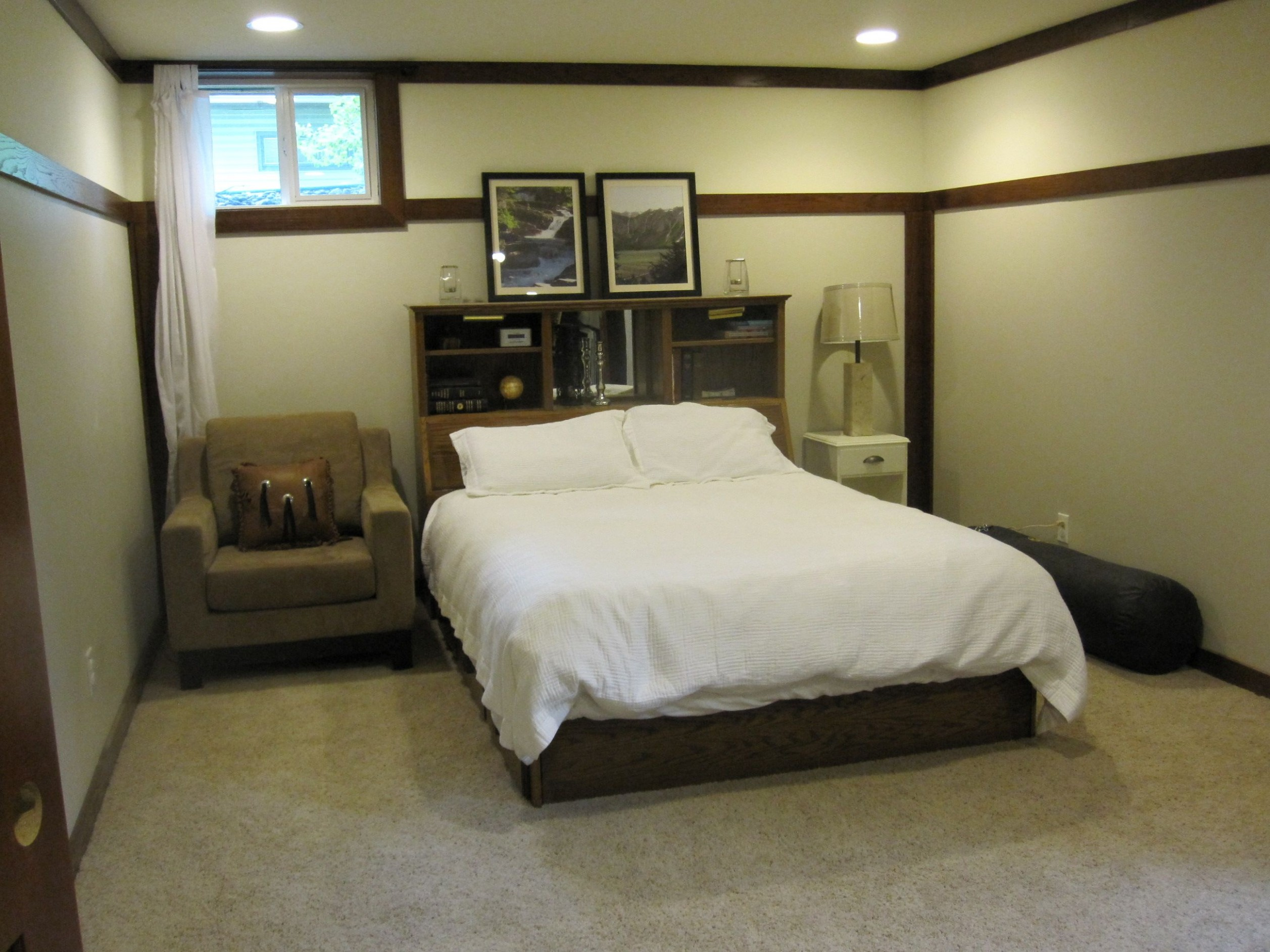How To Decorate A Room With No Windows - Bedroom Ideas No Windows
