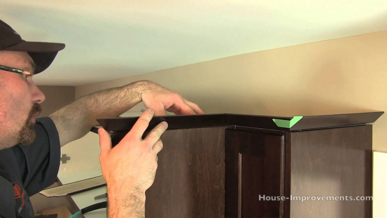 How To Install Cabinet Crown Molding - How To Attach Crown Moulding To Kitchen Cabinets