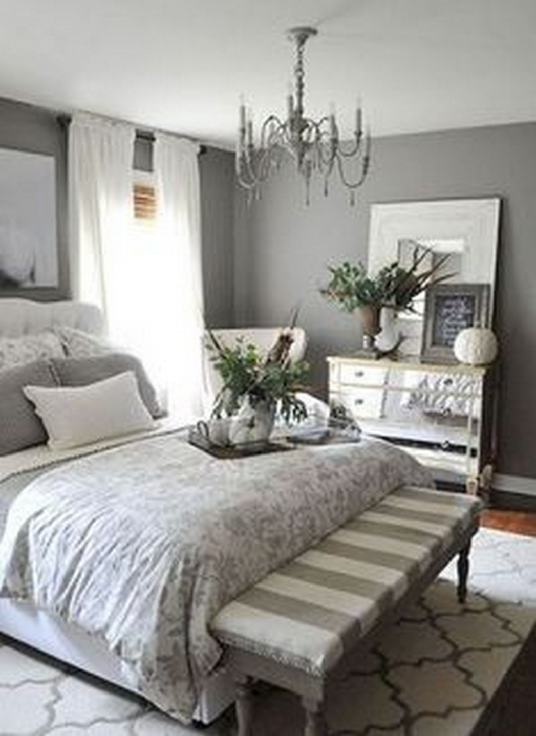 How to Maximize Bedding Appearance by Applying Farmhouse Master  - Master Bedroom Quilt Ideas