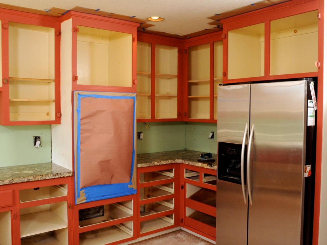 How to Paint Kitchen Cabinets in a Two-Tone Finish  how-tos  DIY - Kitchen Cabinet Accent Paint