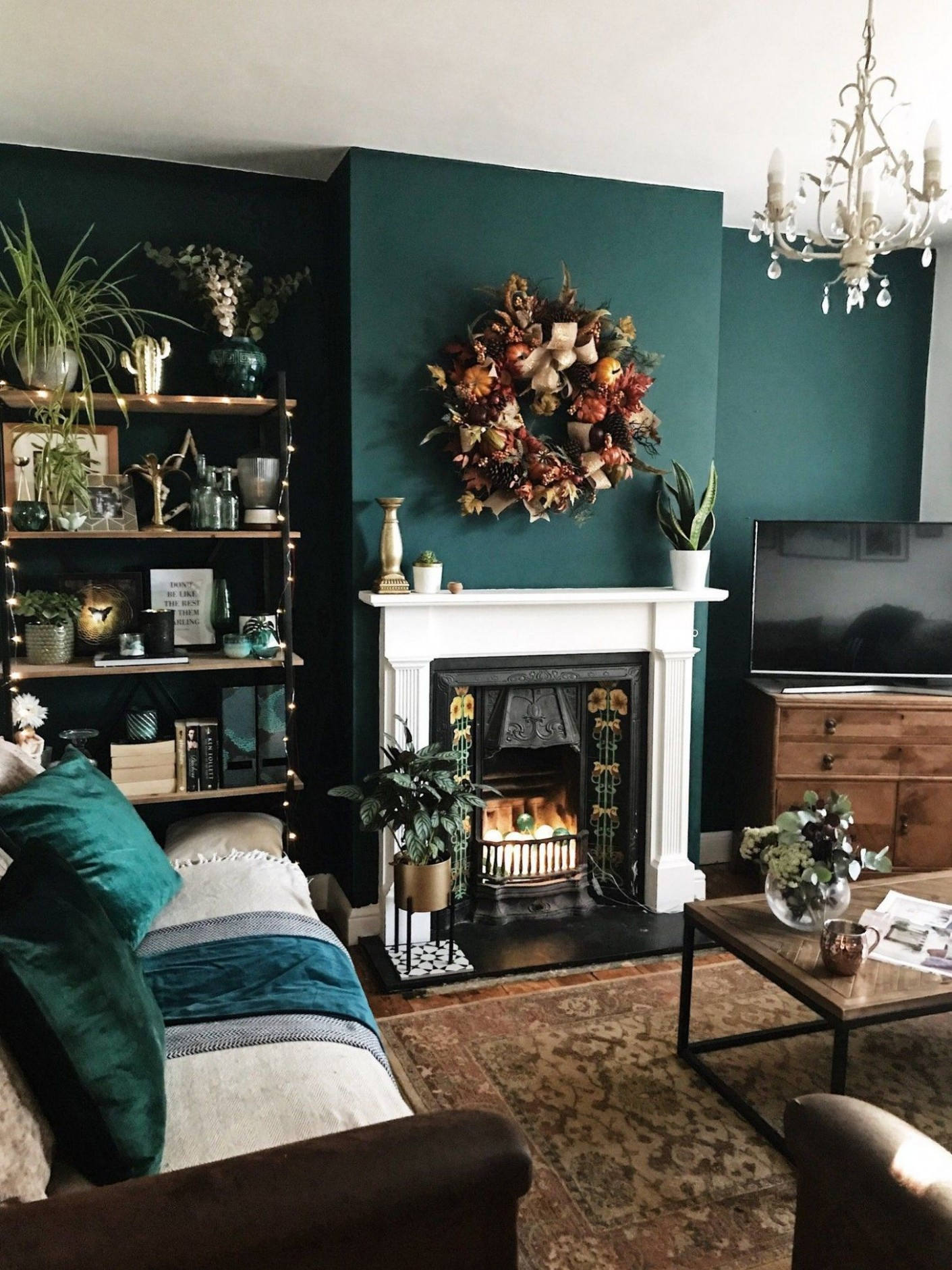How To Use Dark Green in Your Living Room  Accent walls in  - Bedroom Ideas Jade
