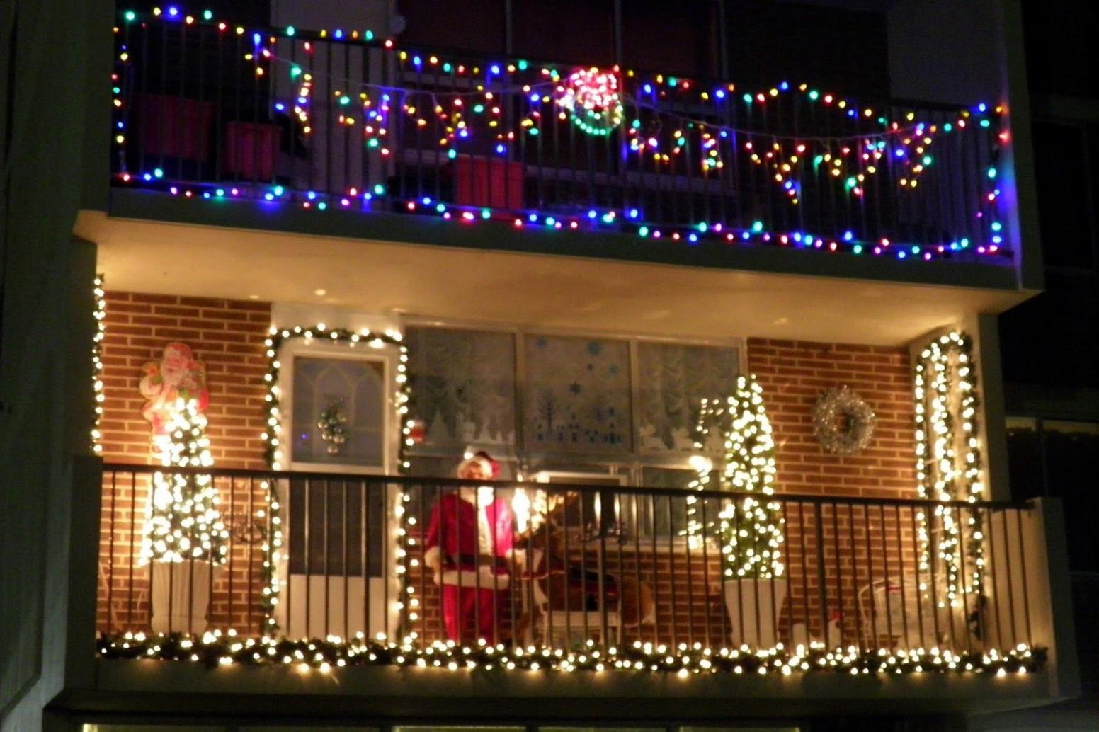 Incredible Christmas Light Ideas For Balcony On Exterior Design  - Apartment Balcony Decorating Ideas Christmas