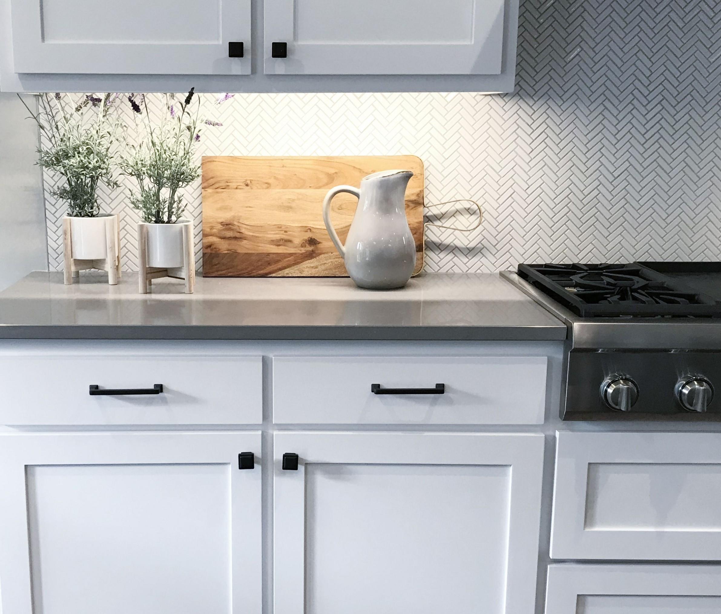 Installing New Cabinet Handles - Kitchen Cabinet Handle Design
