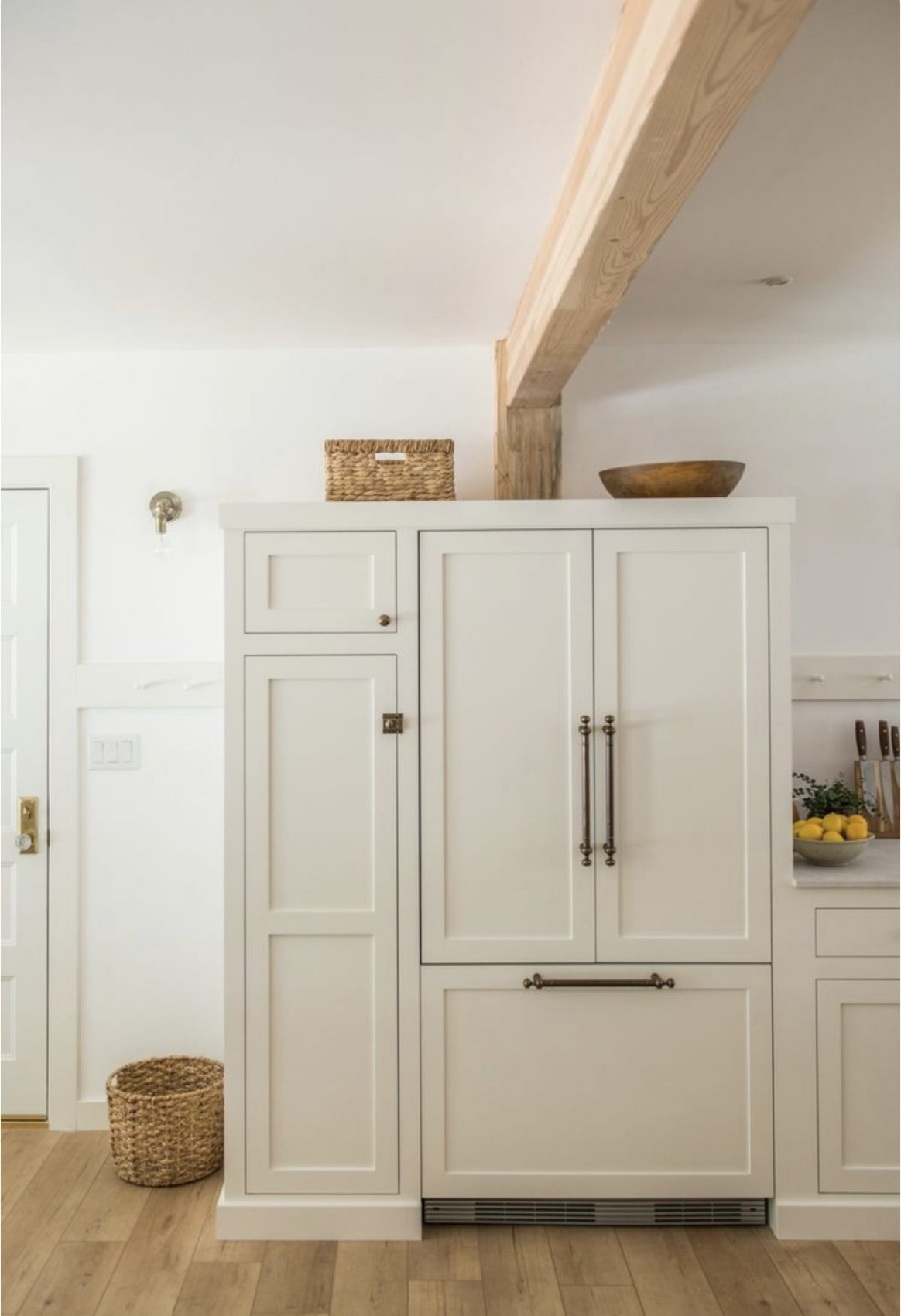 Kitchen Plans and Paint Recommendations for Cabinets - Goldalamode - Swiss Coffee Paint Kitchen Cabinets